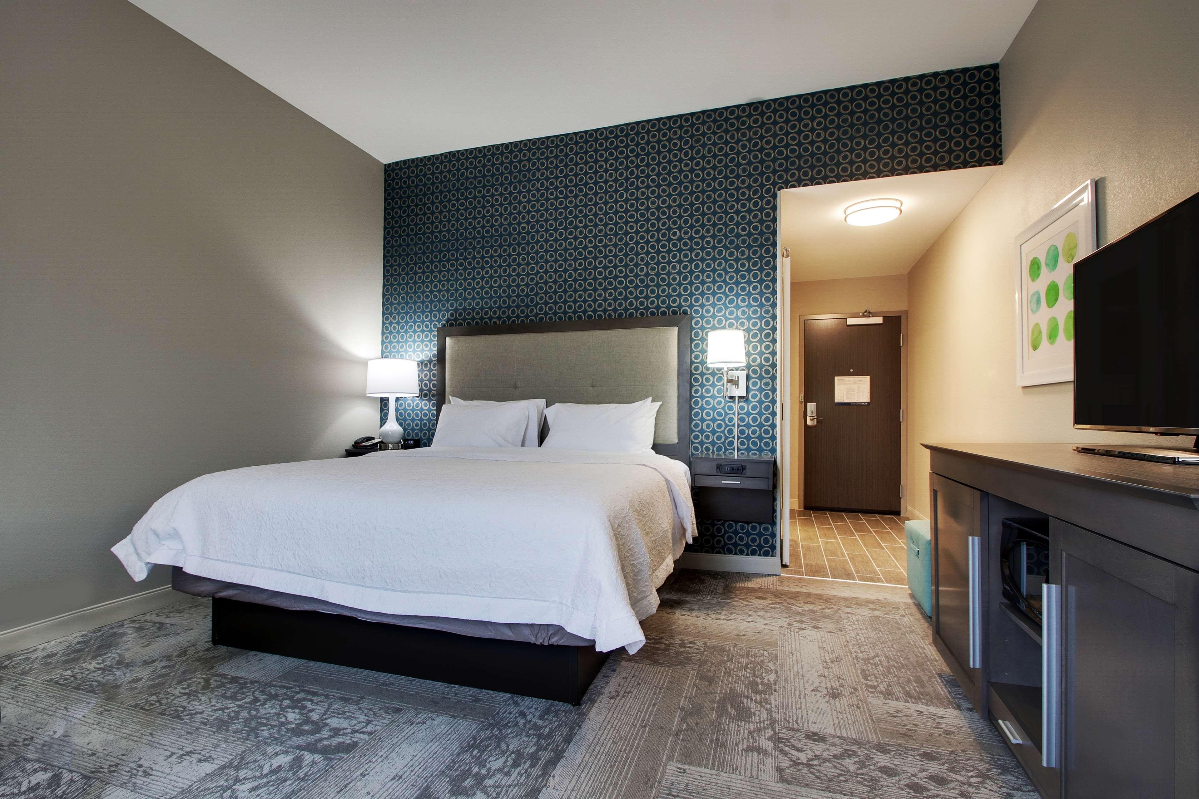 Hampton Inn & Suites Knightdale Raleigh image 32