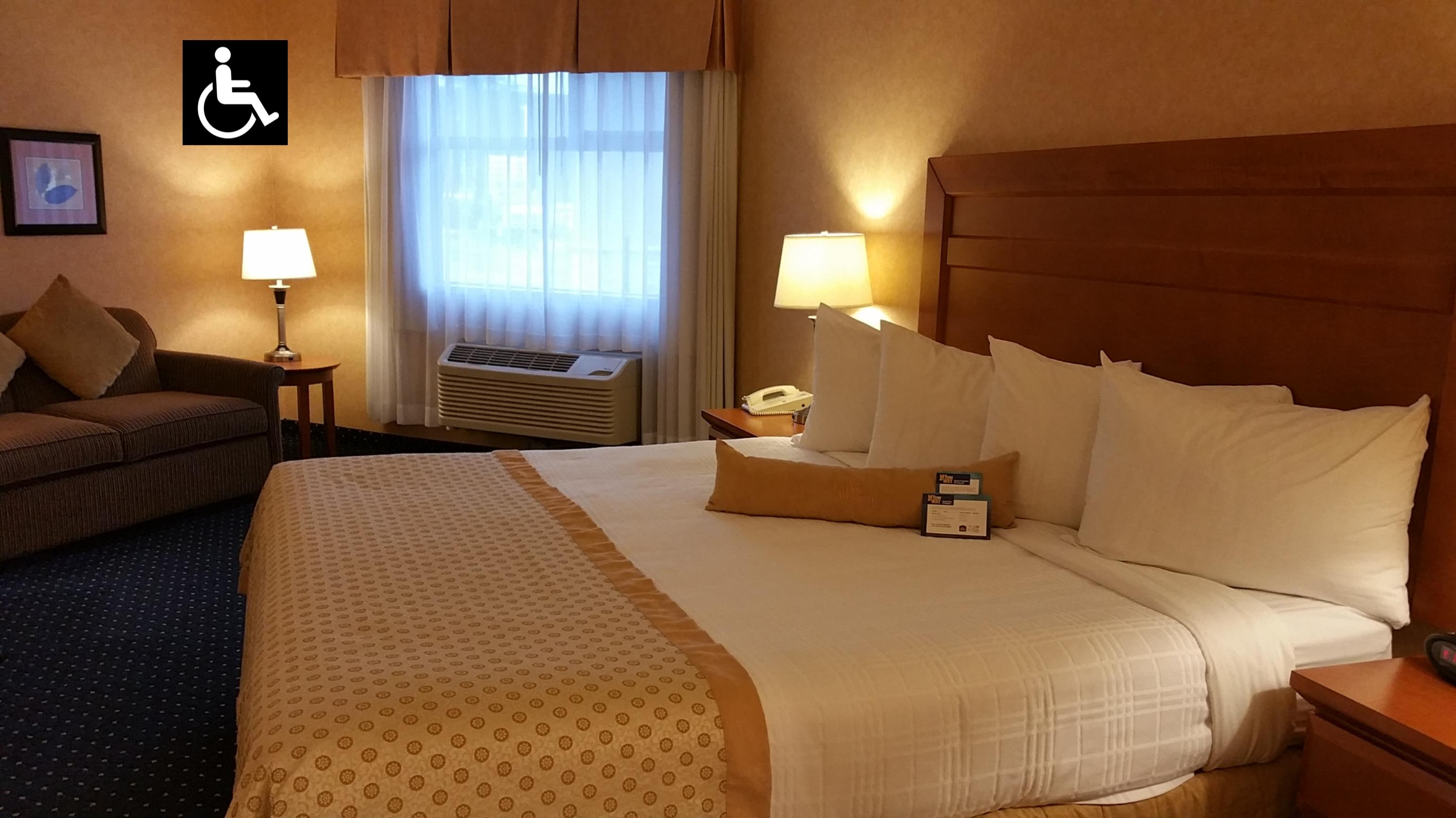 Best Western Plus Langley Inn in Langley: 1 King Mobility Accessible