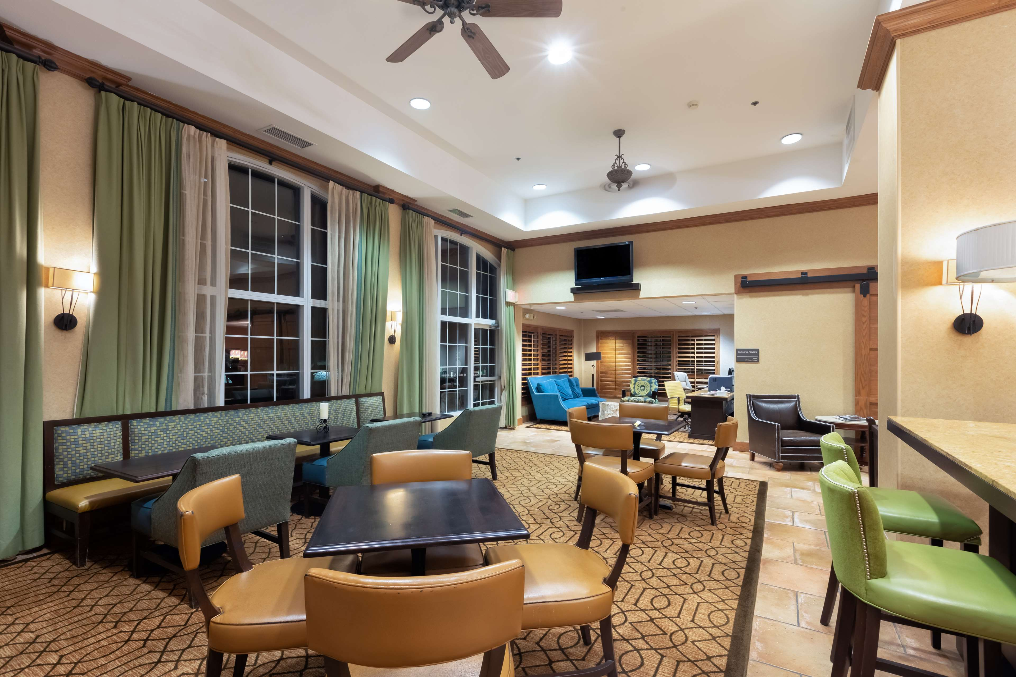 Hampton Inn & Suites Austin-Airport image 9