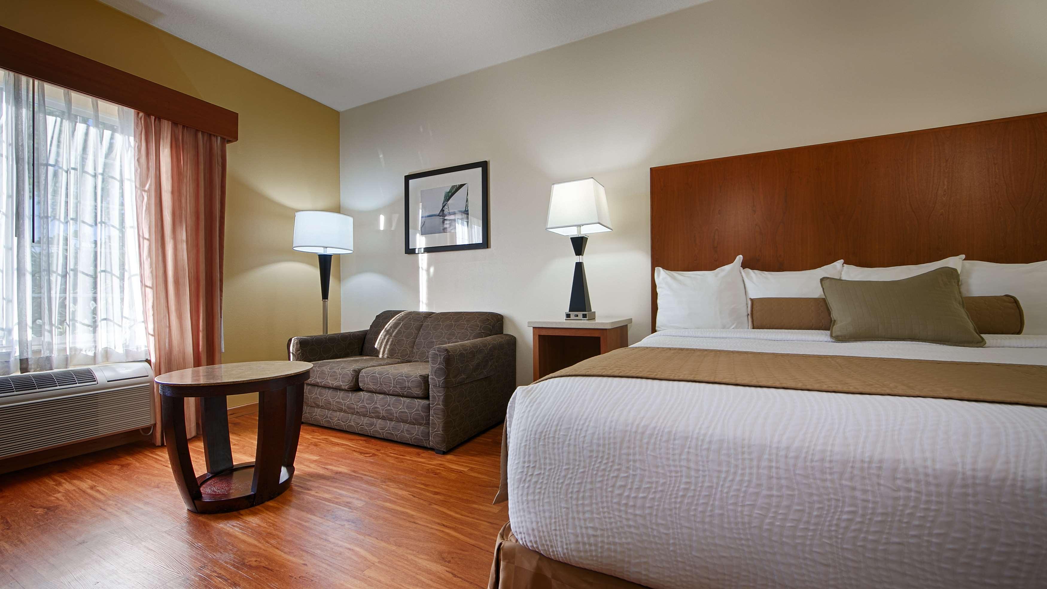 Best Western Plus Park Place Inn & Suites image 15