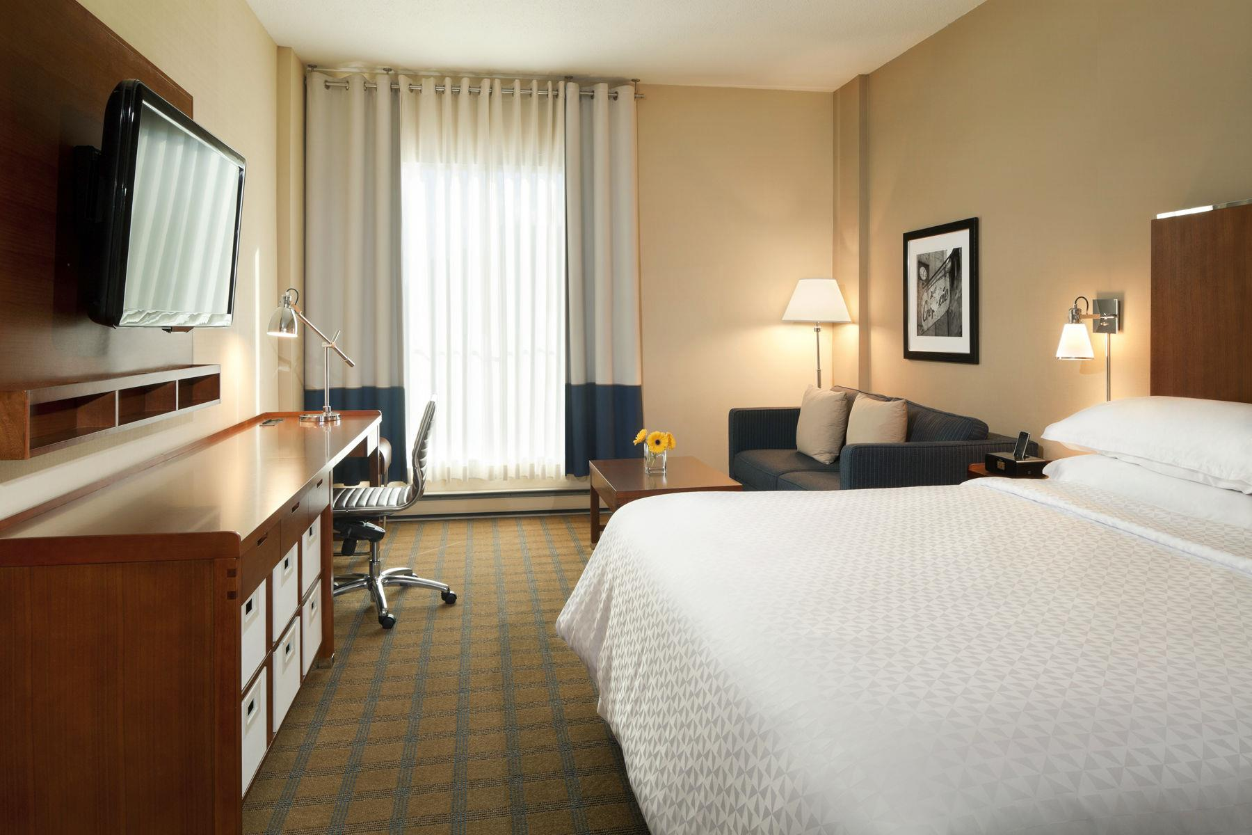 Four Points by Sheraton Hotel & Conference Centre Gatineau-Ottawa à Gatineau: King Executive