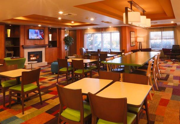 Fairfield Inn & Suites by Marriott Burlington image 0