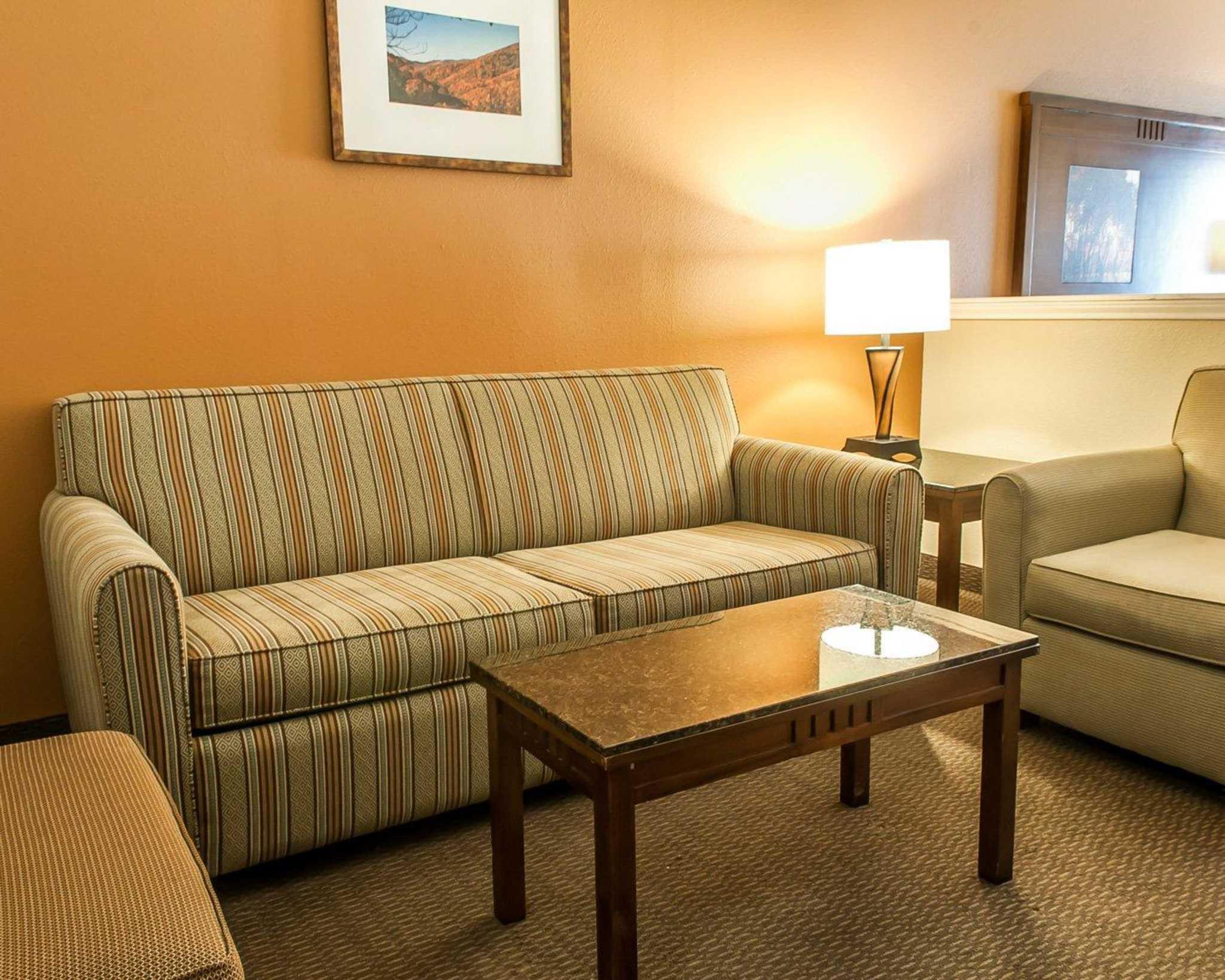 Comfort Inn Midtown image 27