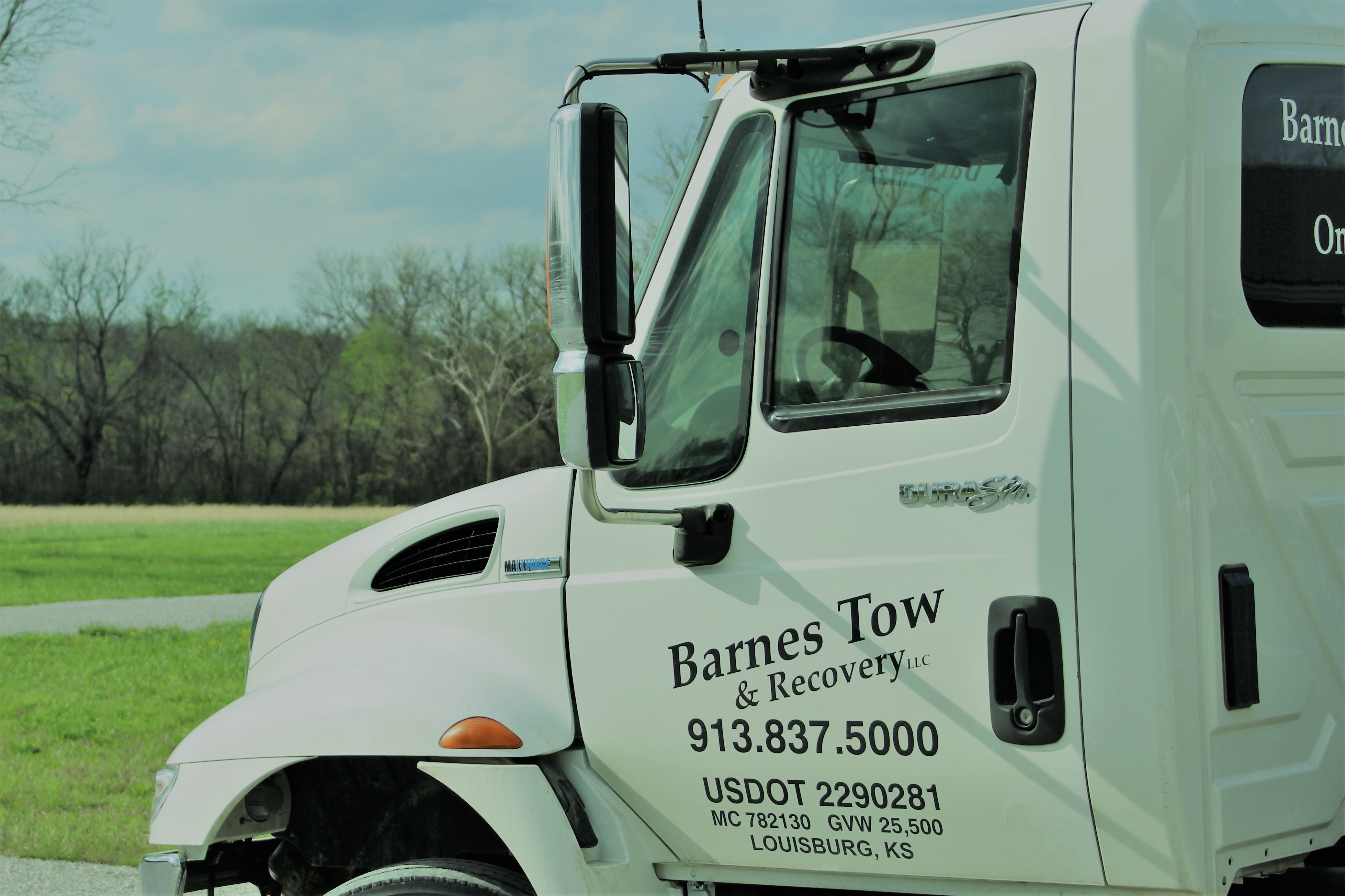 Barnes Tow & Recovery LLC image 0