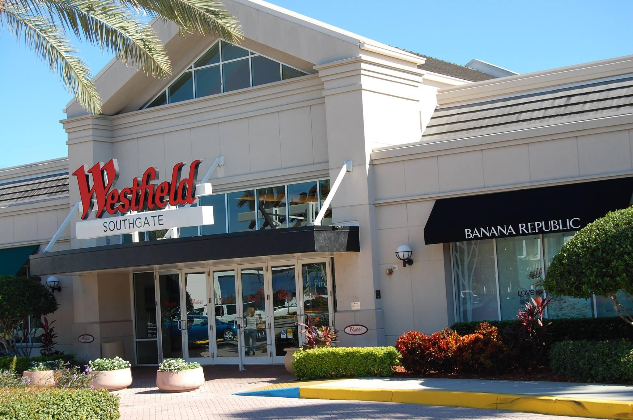 About The Mall at University Town Center. DOMINANT SHOPPING AND DINING DESTINATION Serving the growing Sarasota market and the surrounding coastal areas. Sarasota is known as the cultural center of Florida's Gulf Coast.
