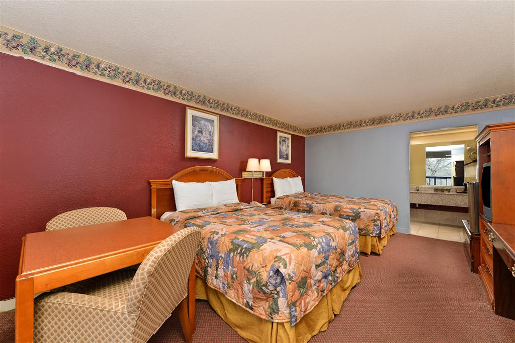 Country Hearth Inn & Suites - Gainesville image 6
