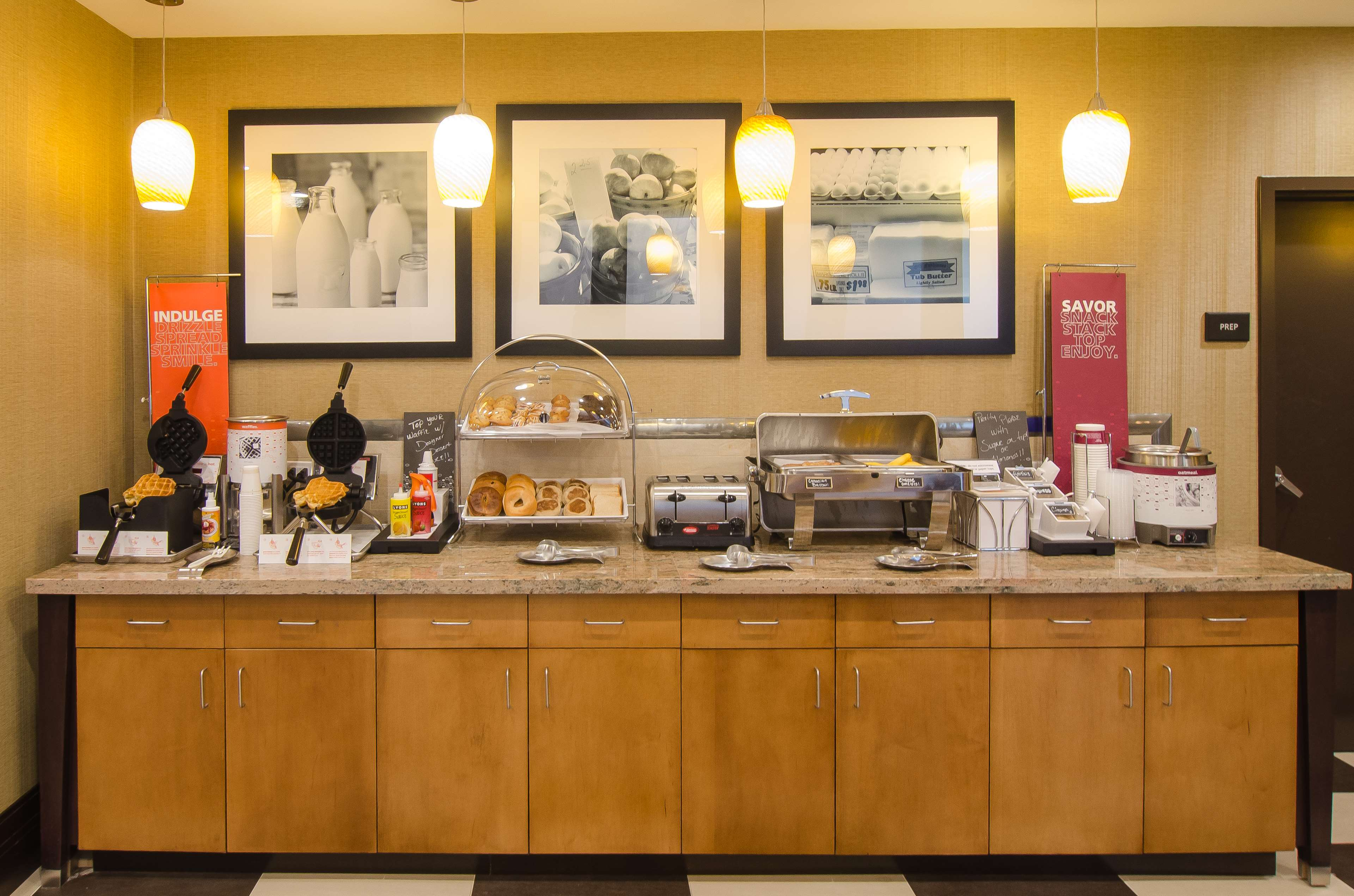 Hampton Inn & Suites Houston North IAH image 7