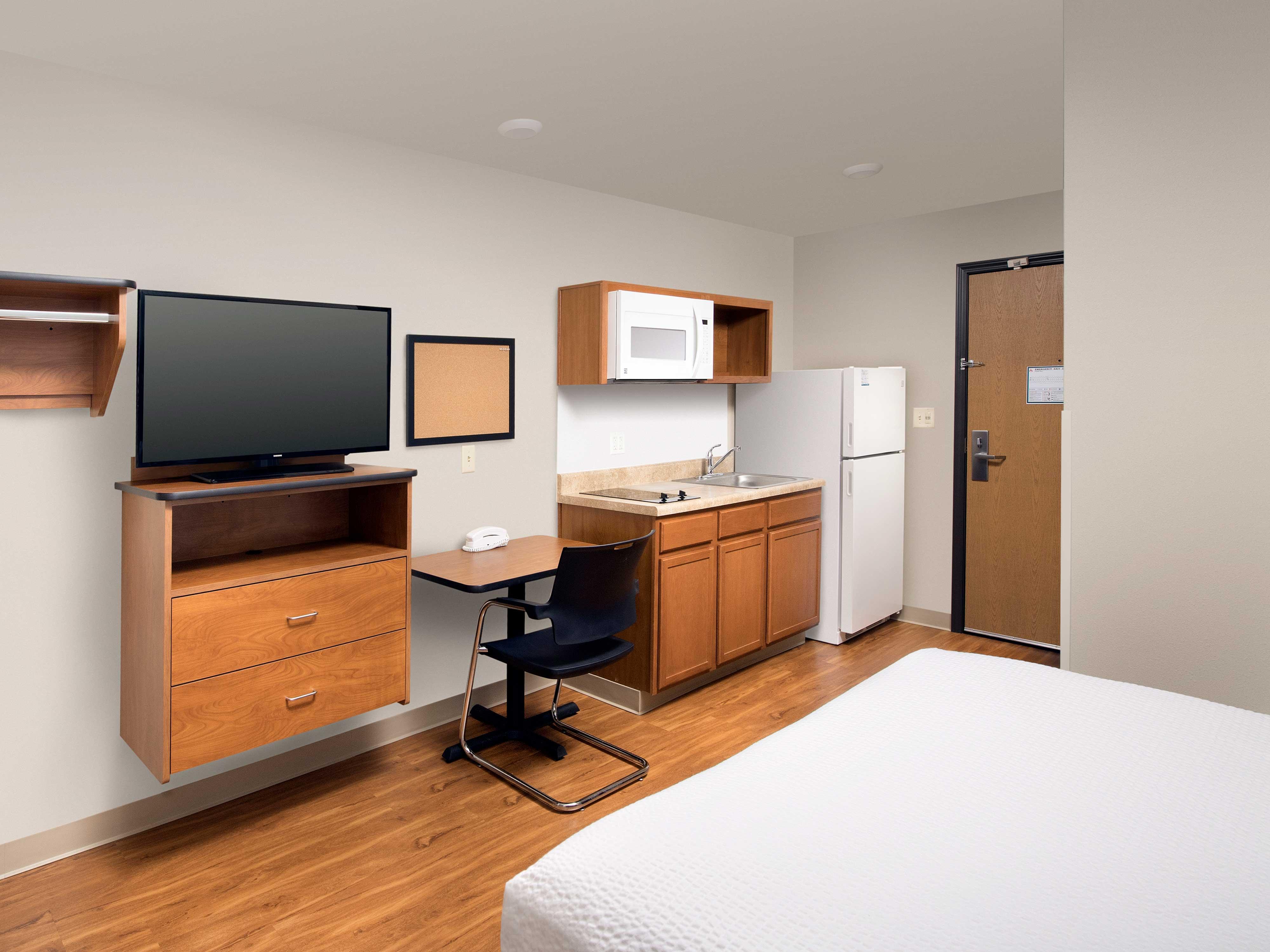 WoodSpring Suites Grand Rapids South image 13