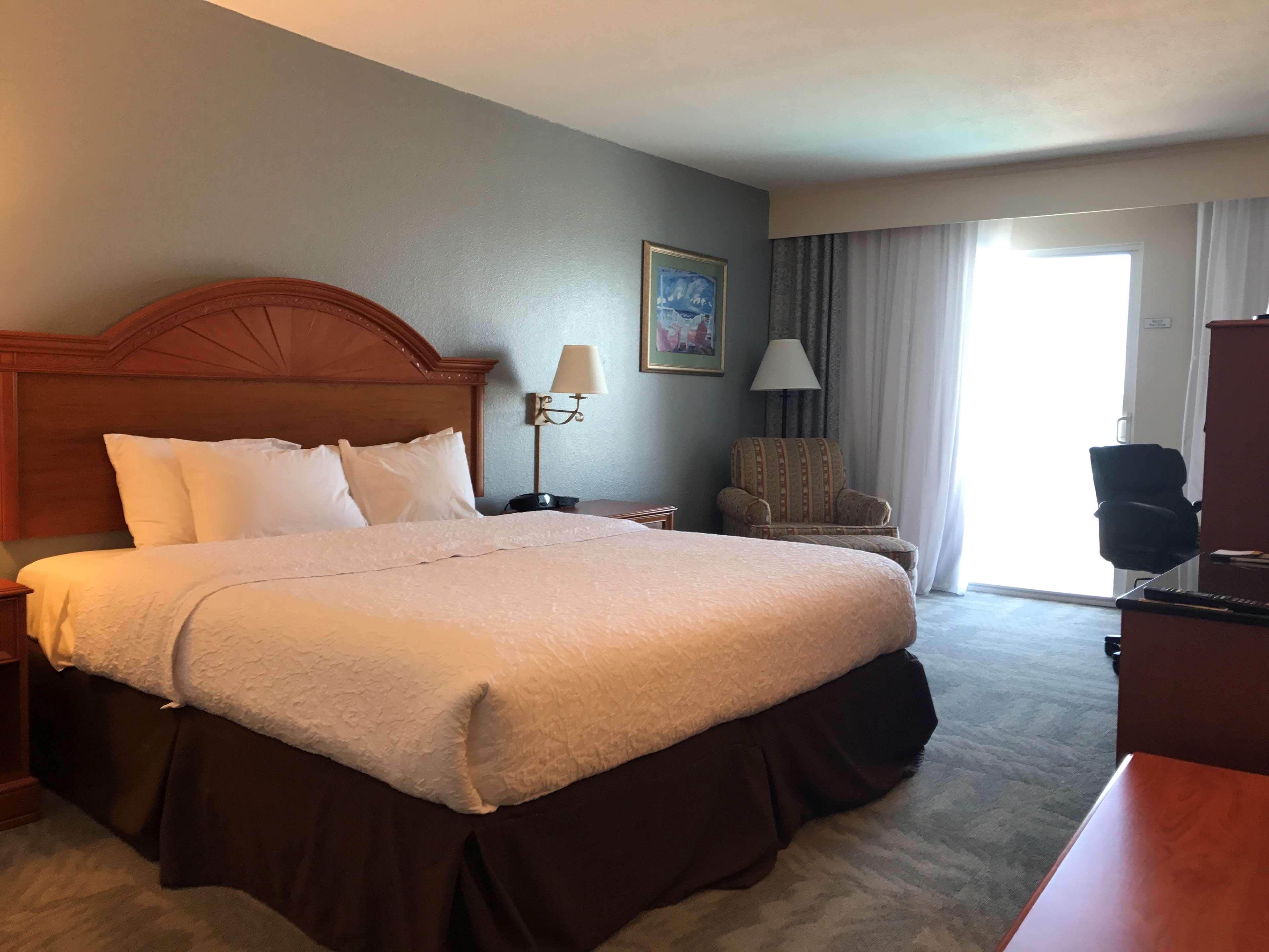Hampton Inn Daytona Shores-Oceanfront image 43