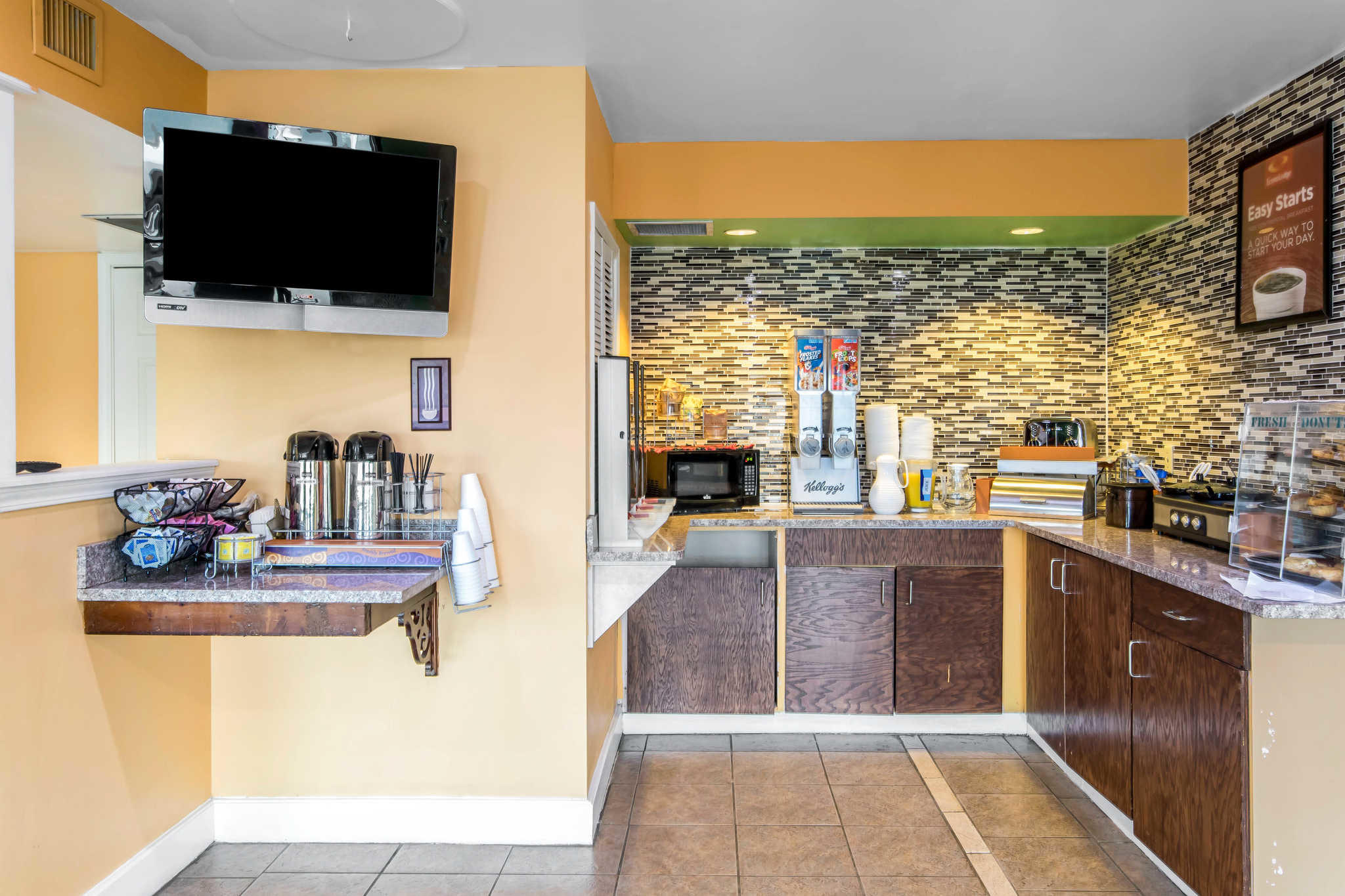Econo Lodge Inn & Suites I-65 image 21