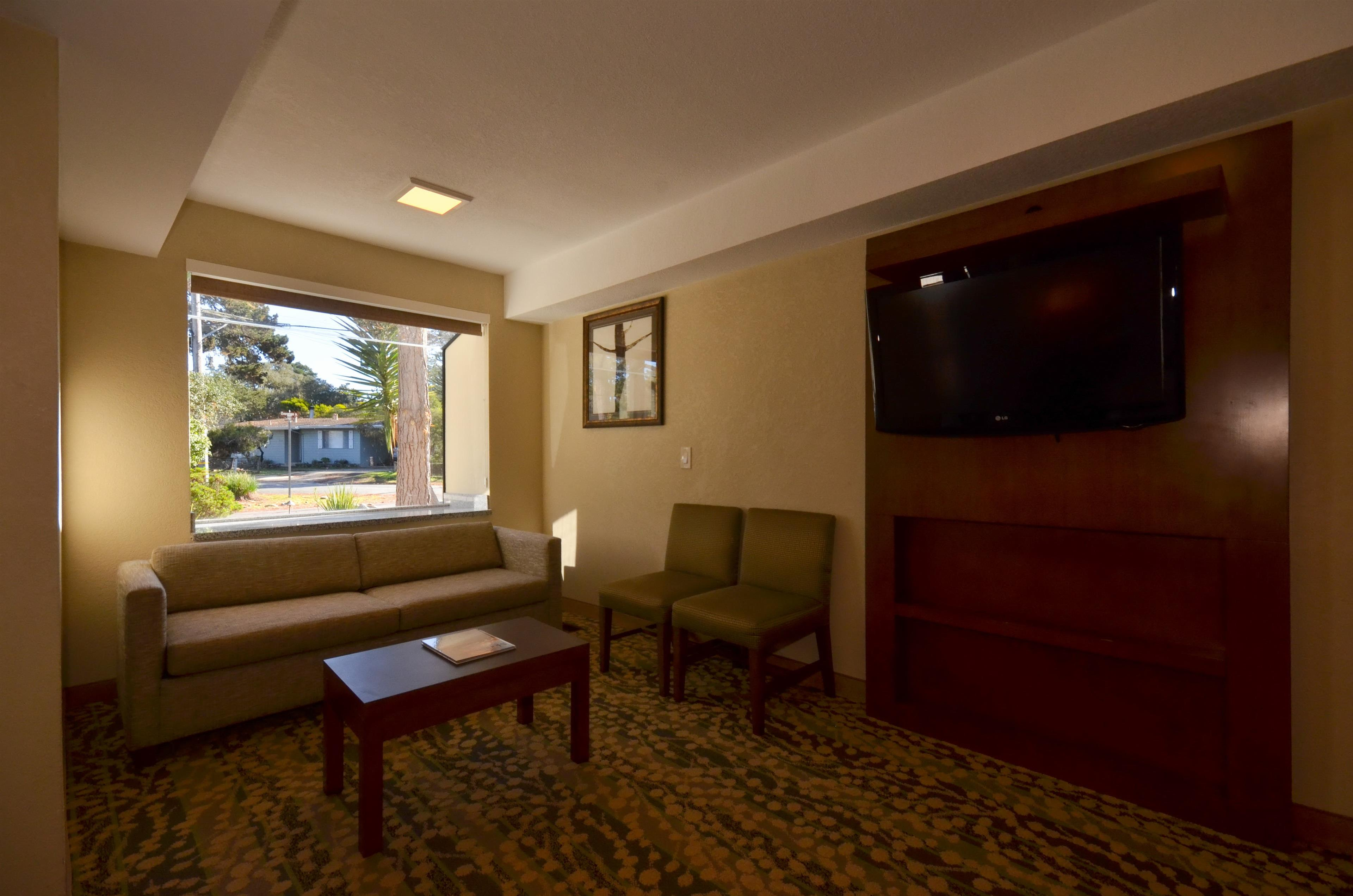 Best Western The Inn & Suites Pacific Grove image 29