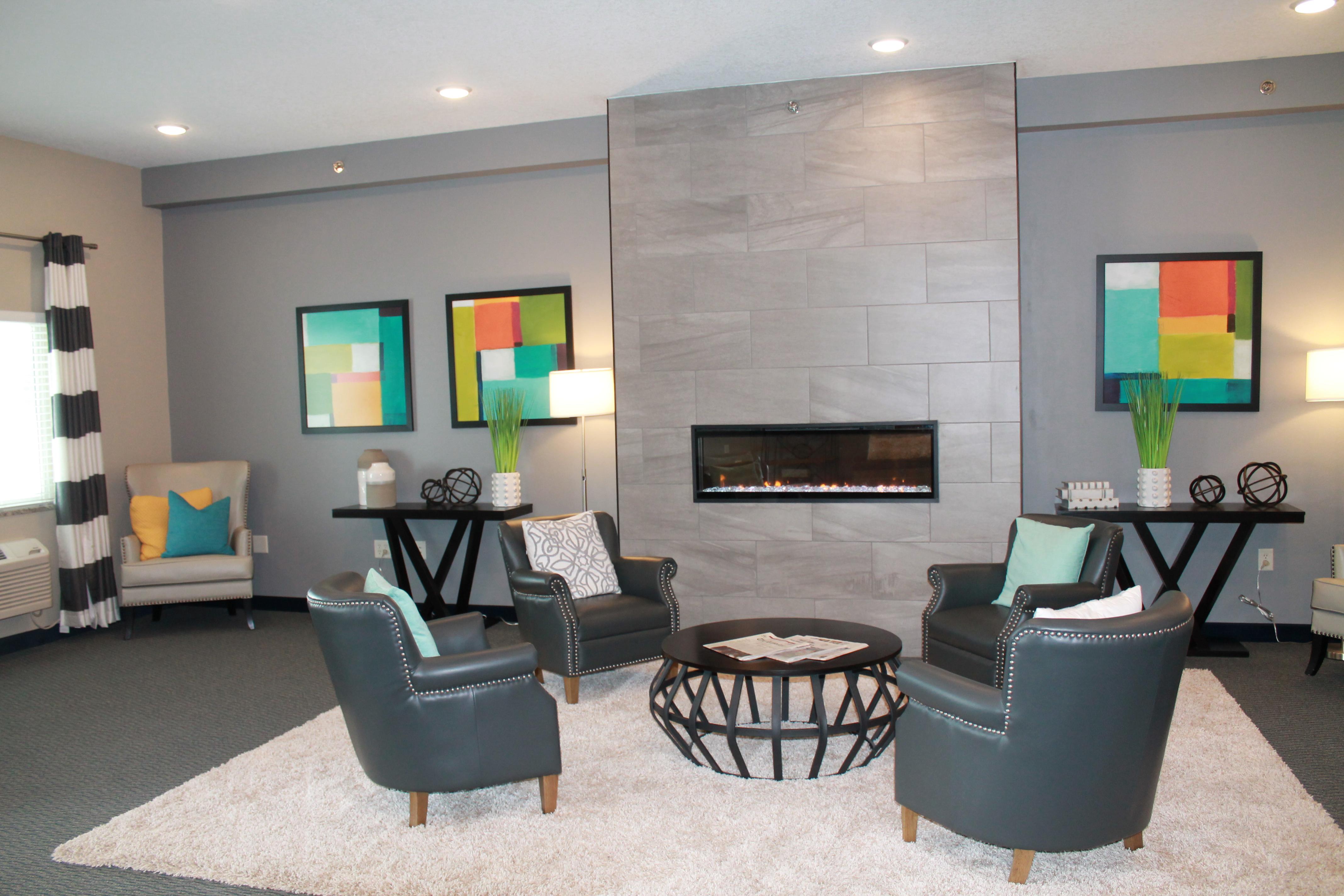 Brookstone Lodge & Suites image 0