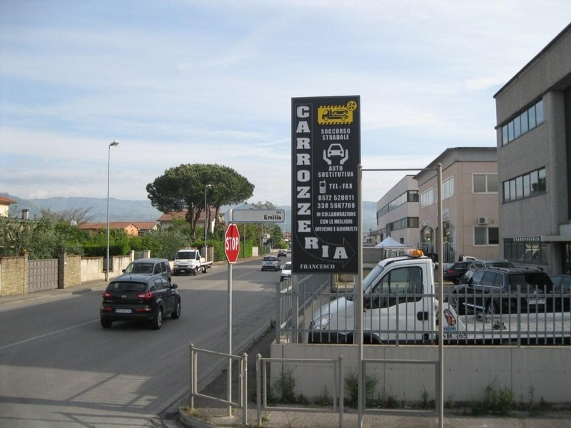 automobili auto a monsummano terme infobel italia. Black Bedroom Furniture Sets. Home Design Ideas