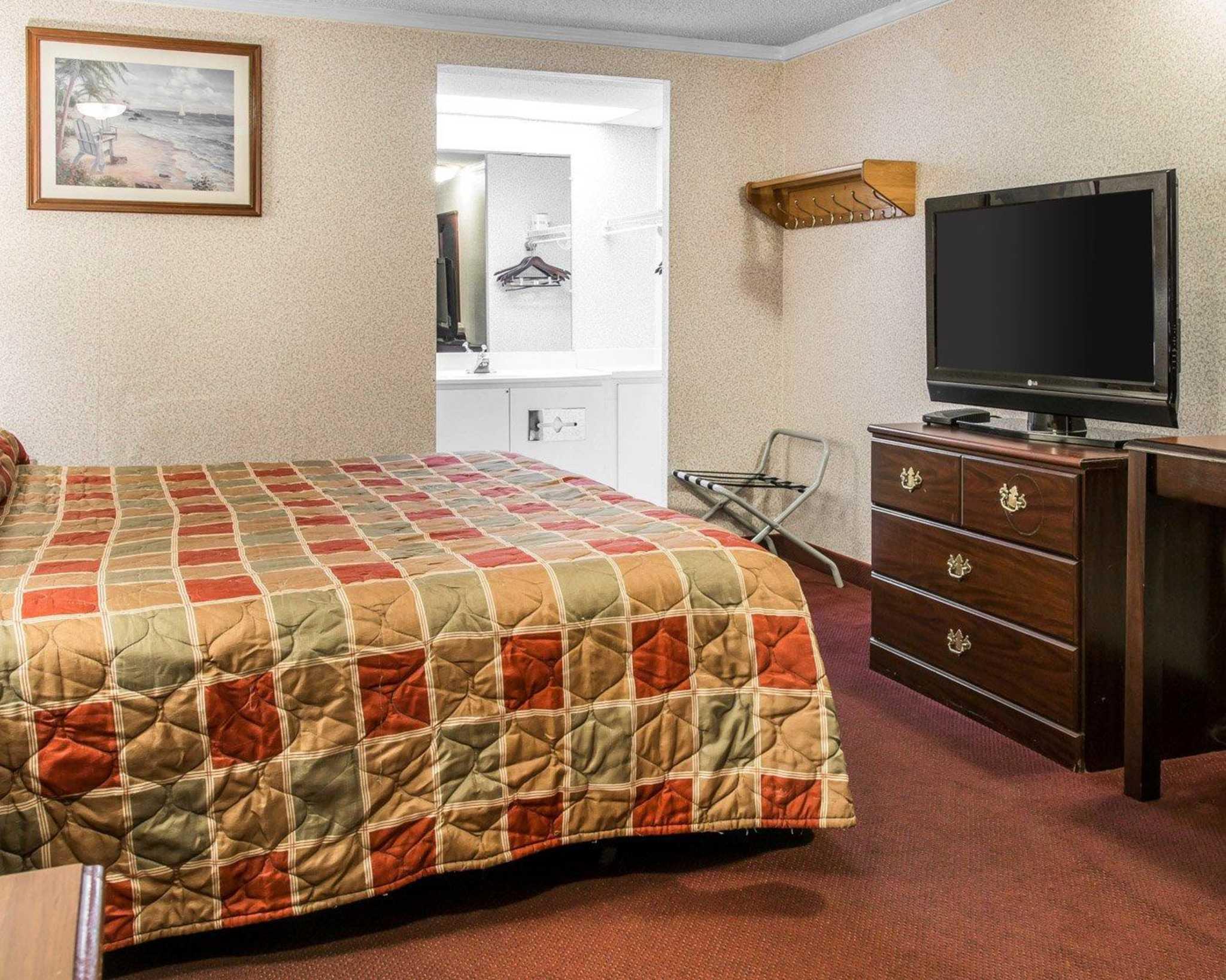 Rodeway Inn image 9