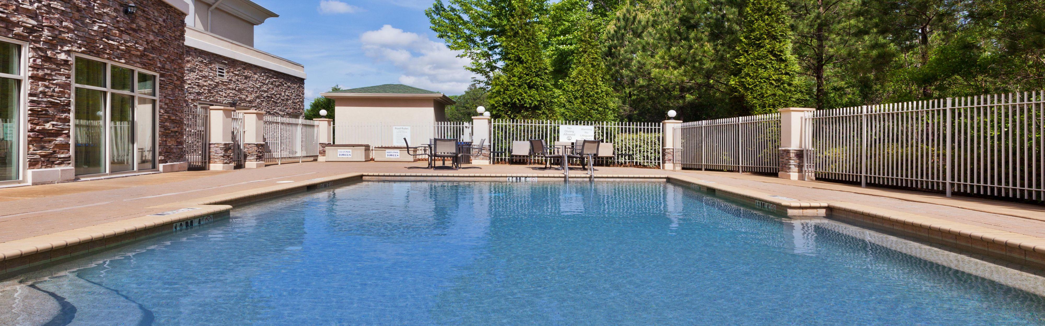 Holiday Inn Express Phenix City-Ft.Benning Area image 2