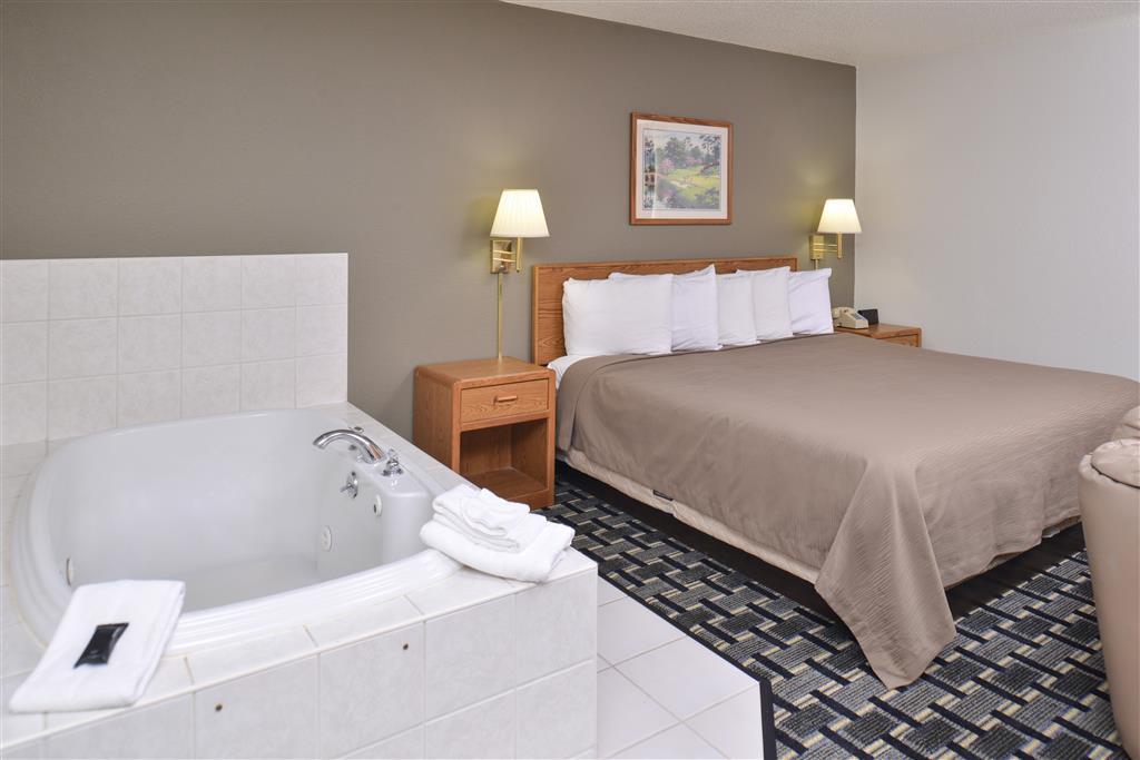 Americas Best Value Inn & Suites Manchester image 4