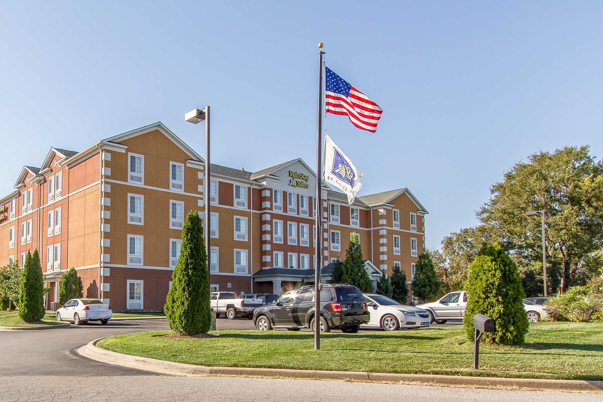 MainStay Suites Fort Campbell image 1