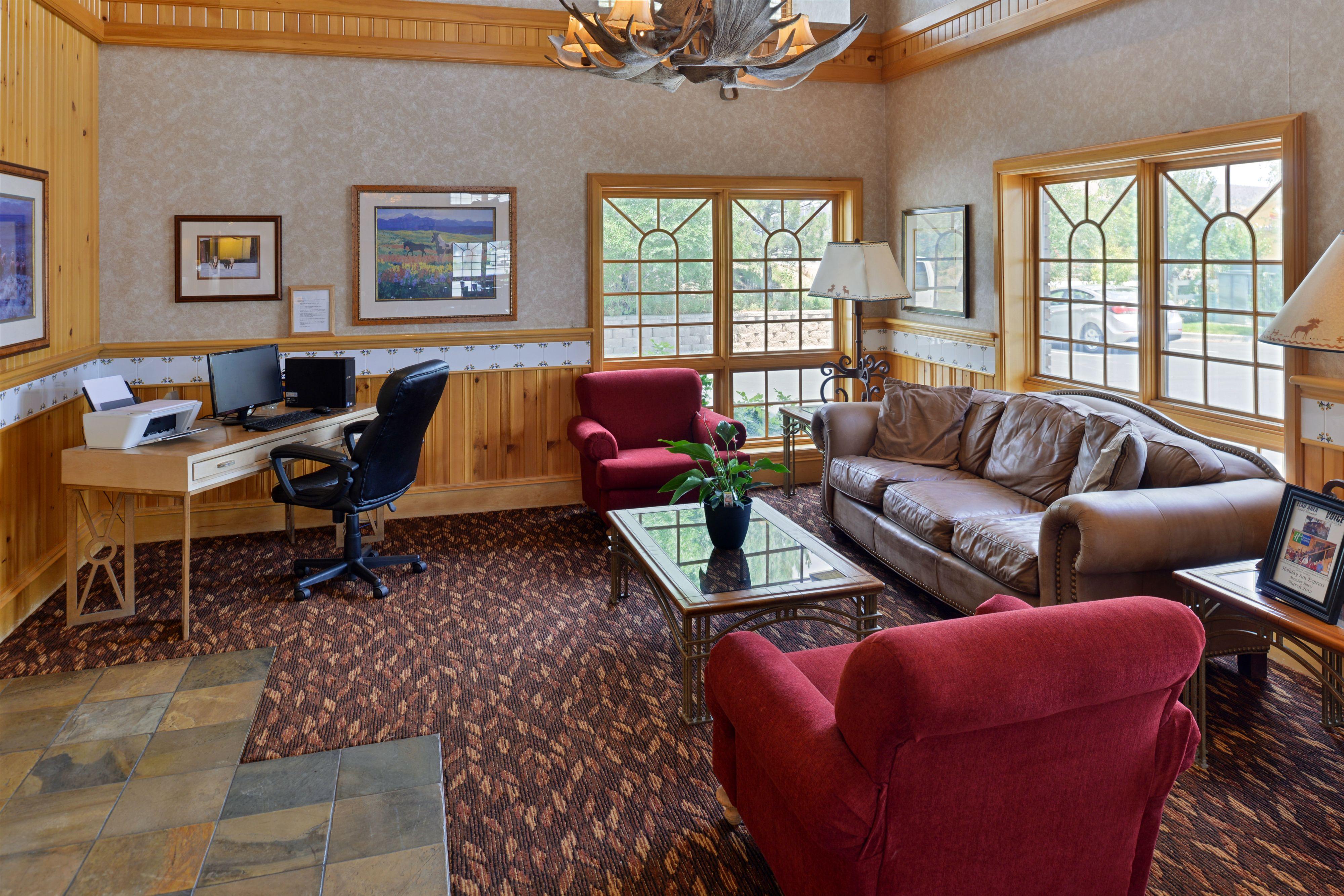Holiday Inn Express & Suites Elko image 3