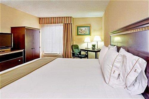 Holiday Inn Express Memphis Medical Center Midtown image 4
