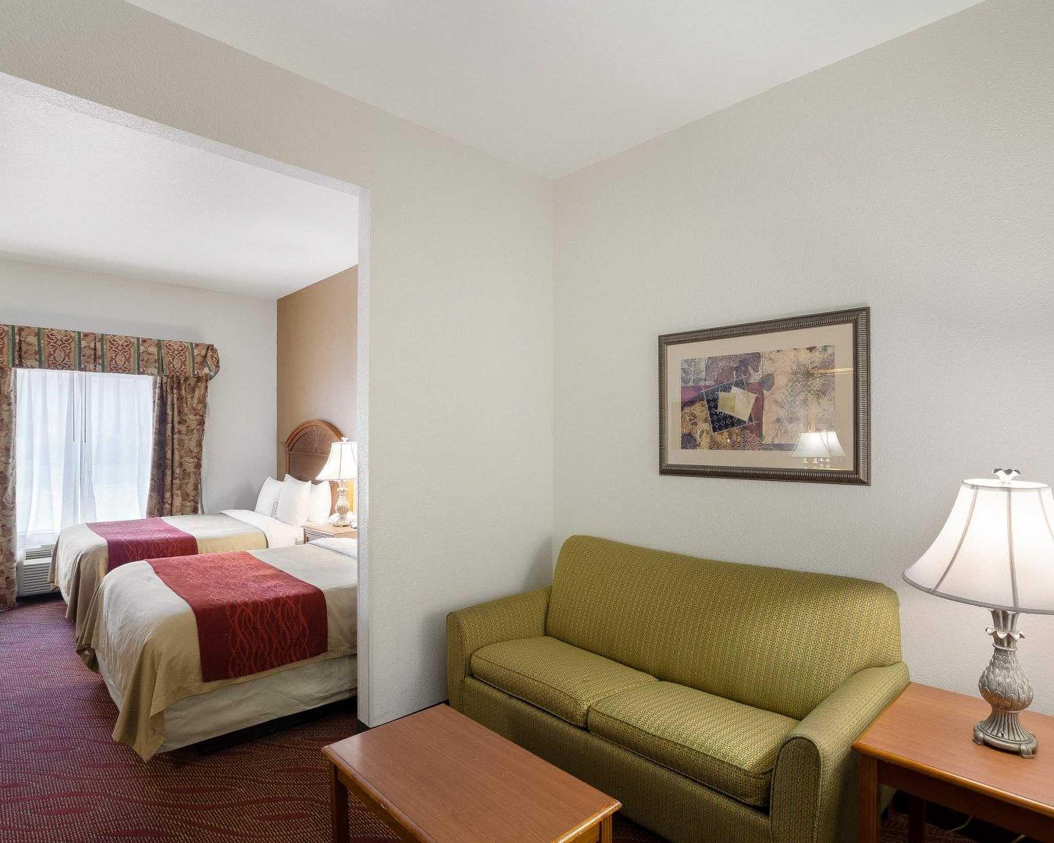 Comfort Inn & Suites Near Medical Center image 27