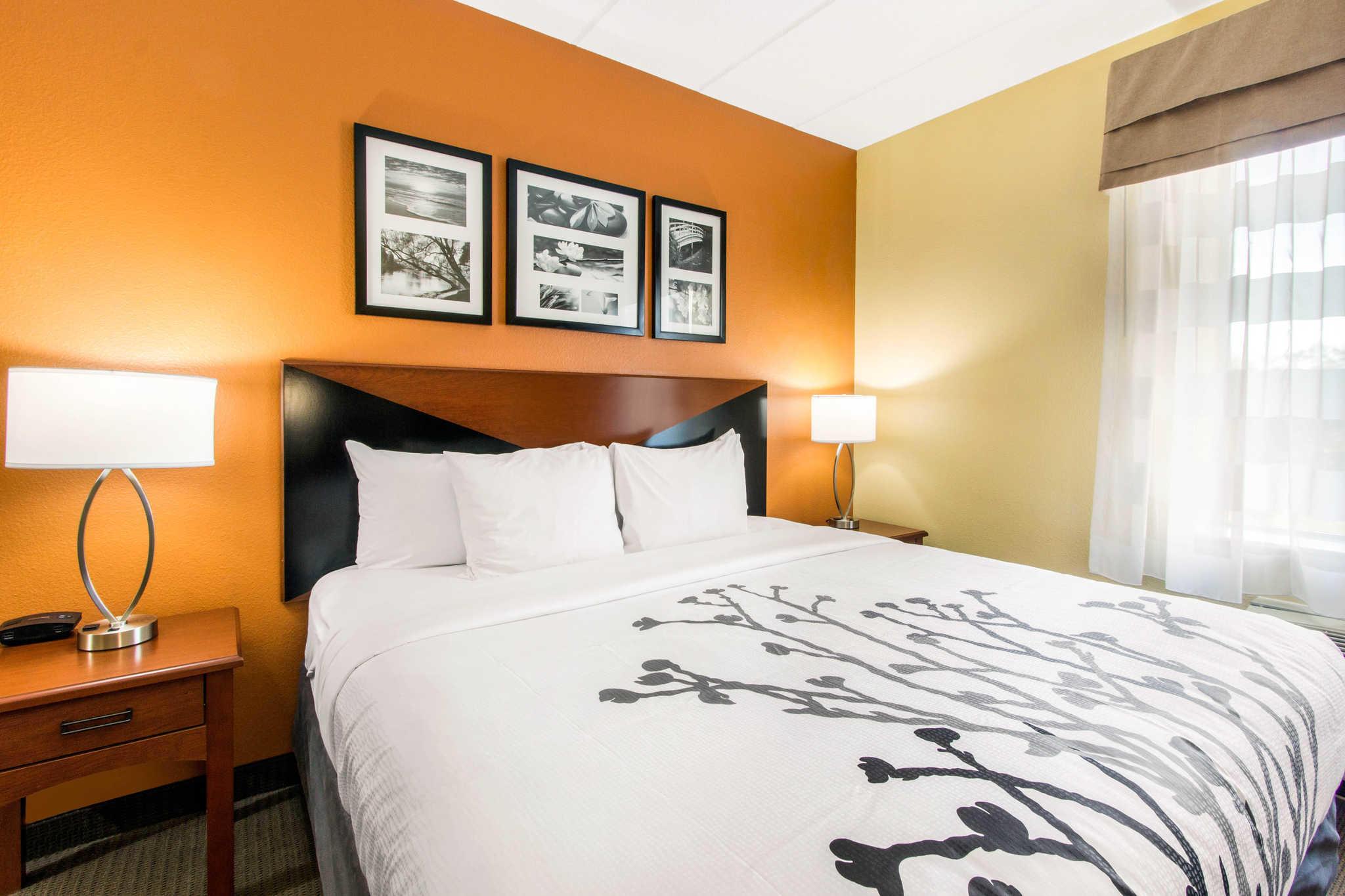 Sleep Inn & Suites Wildwood - The Villages image 7