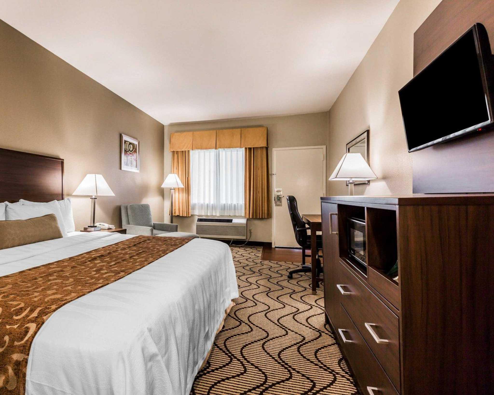 Comfort Inn & Suites Orange County John Wayne Airport image 11