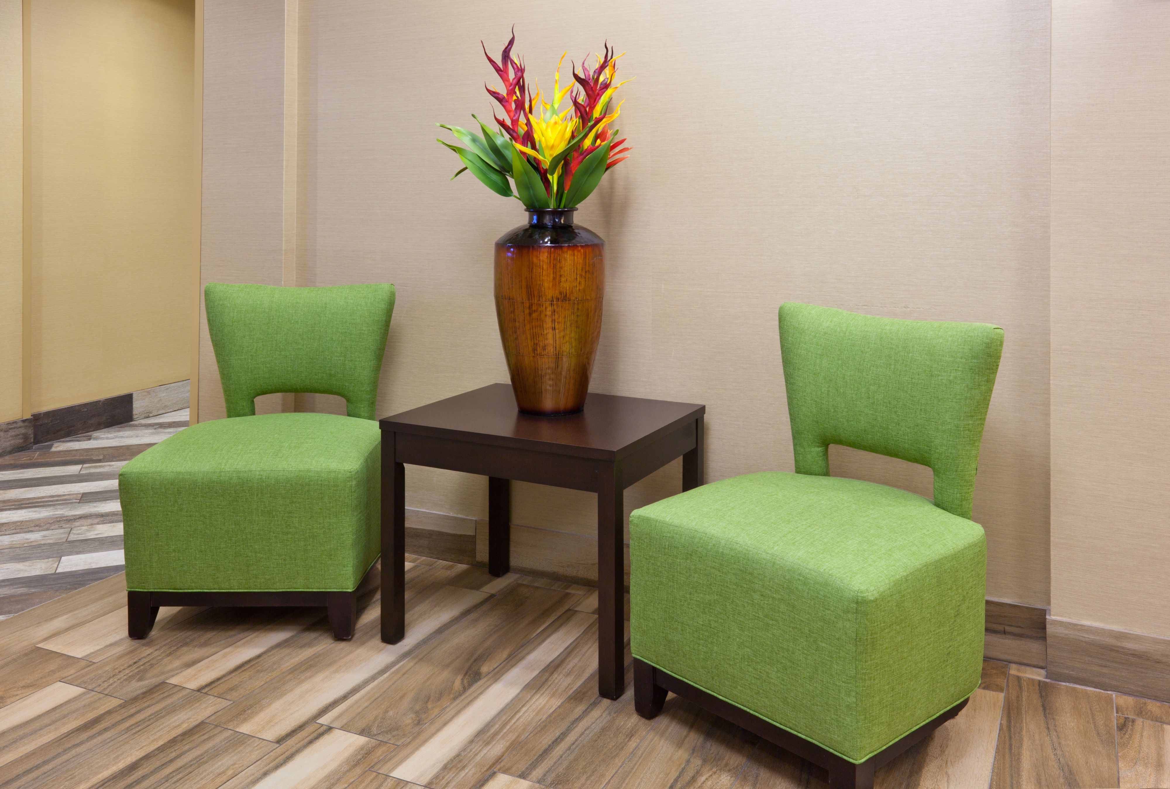 Holiday Inn Express & Suites Fort Dodge image 4