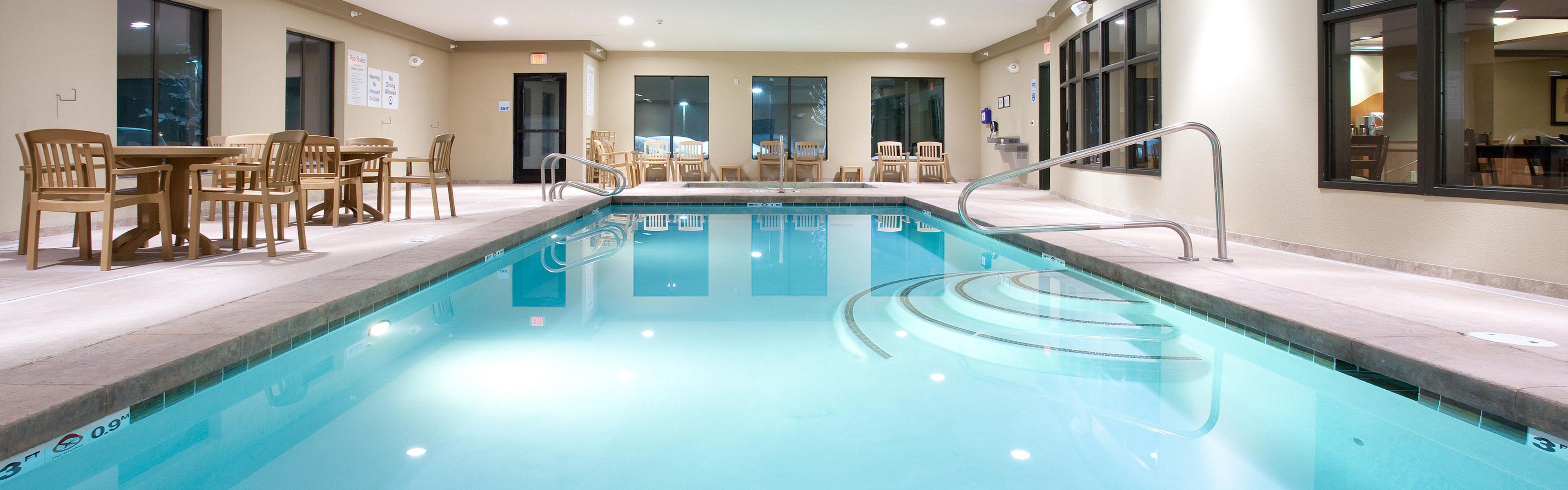 Holiday Inn Express & Suites Lander image 2