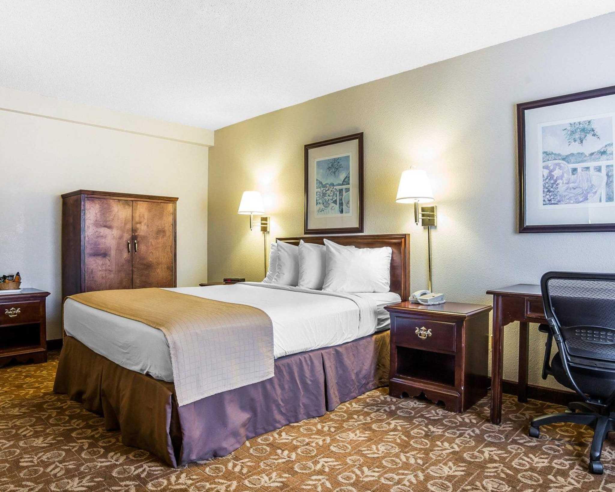 Quality Inn & Suites Minden US-395 image 9