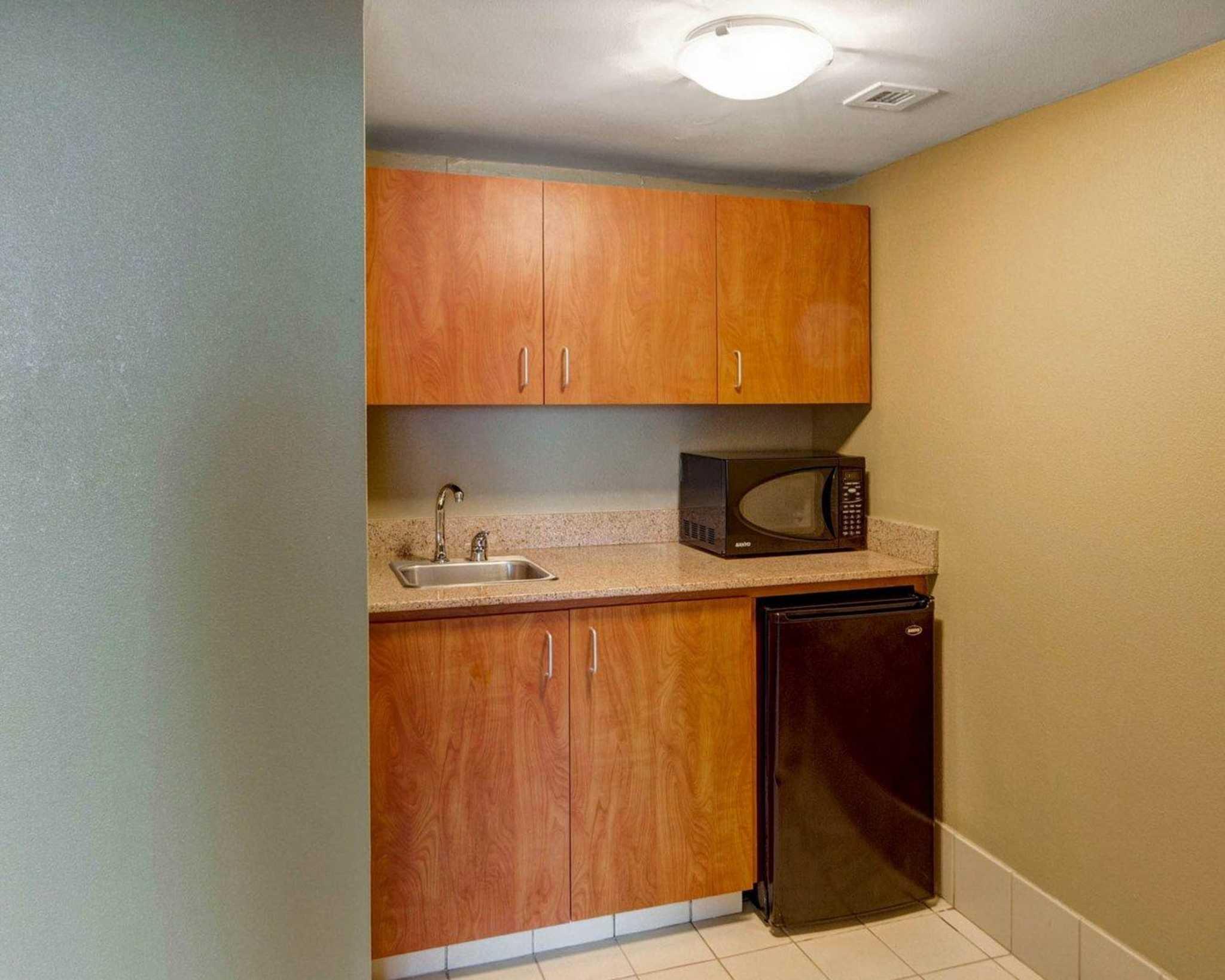 Comfort Inn & Suites Plano East image 47