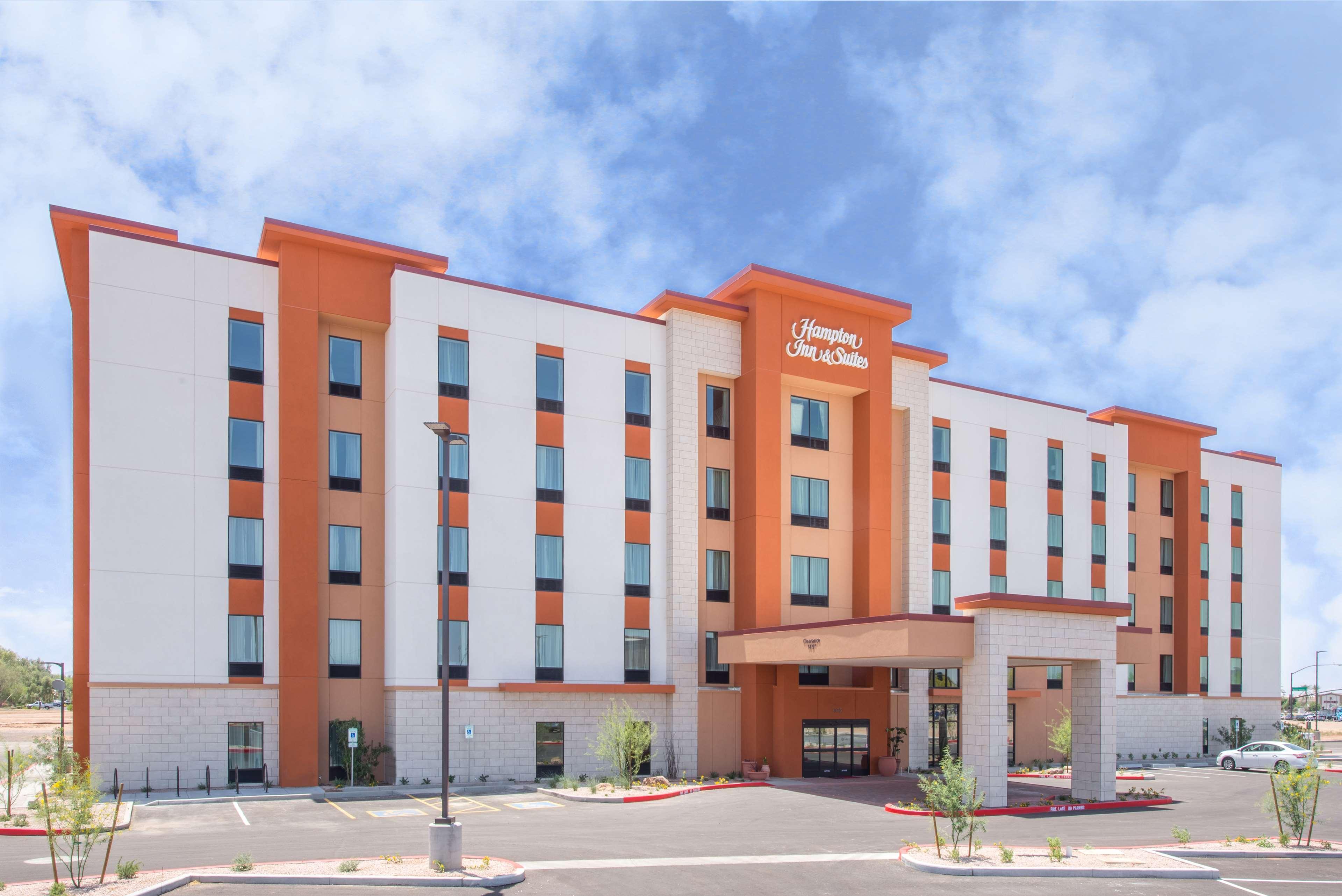 Hampton Inn & Suites Phoenix East Mesa image 1