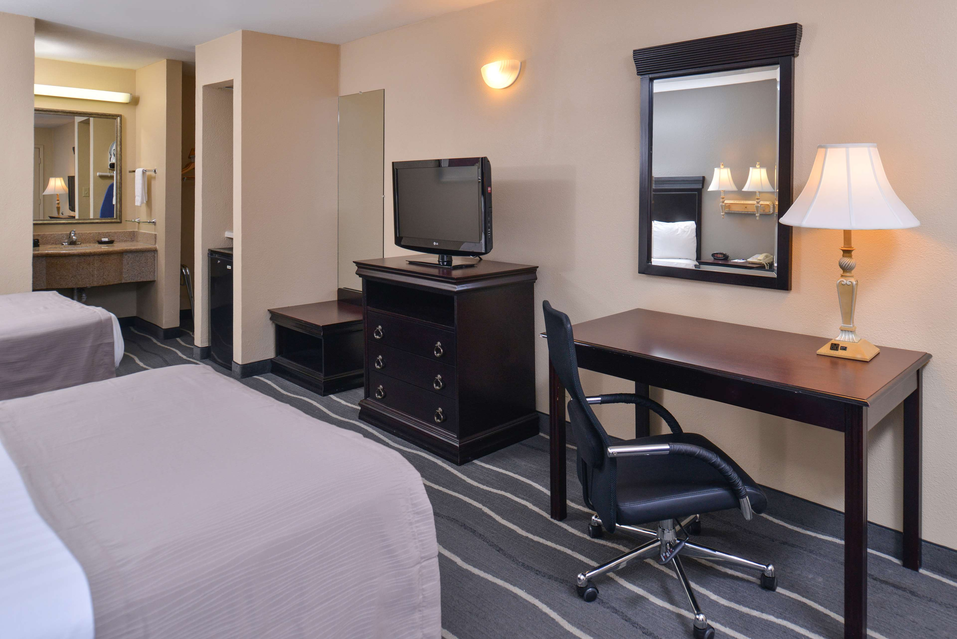 Best Western Irving Inn & Suites at DFW Airport image 14
