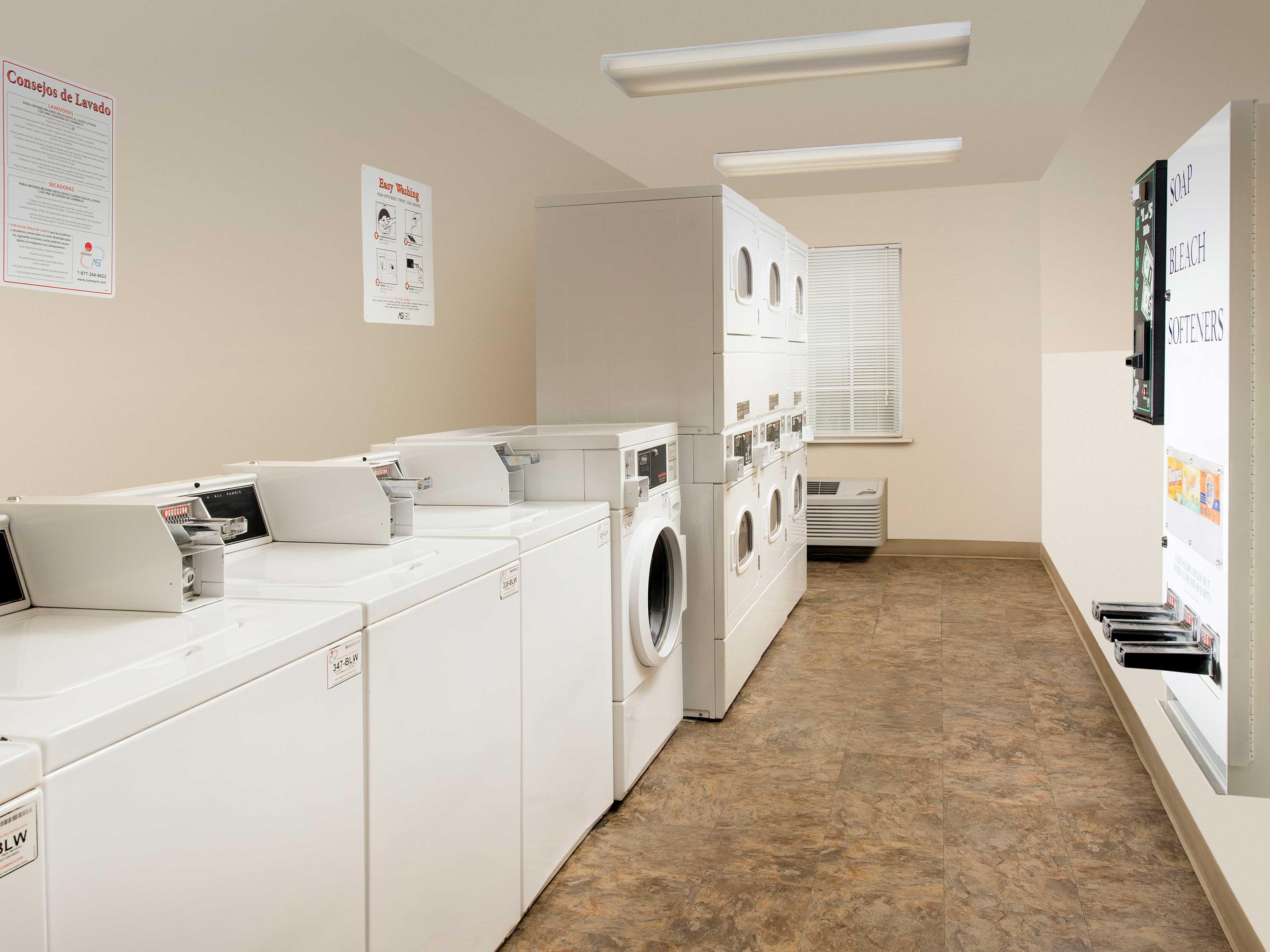 WoodSpring Suites San Antonio South image 14