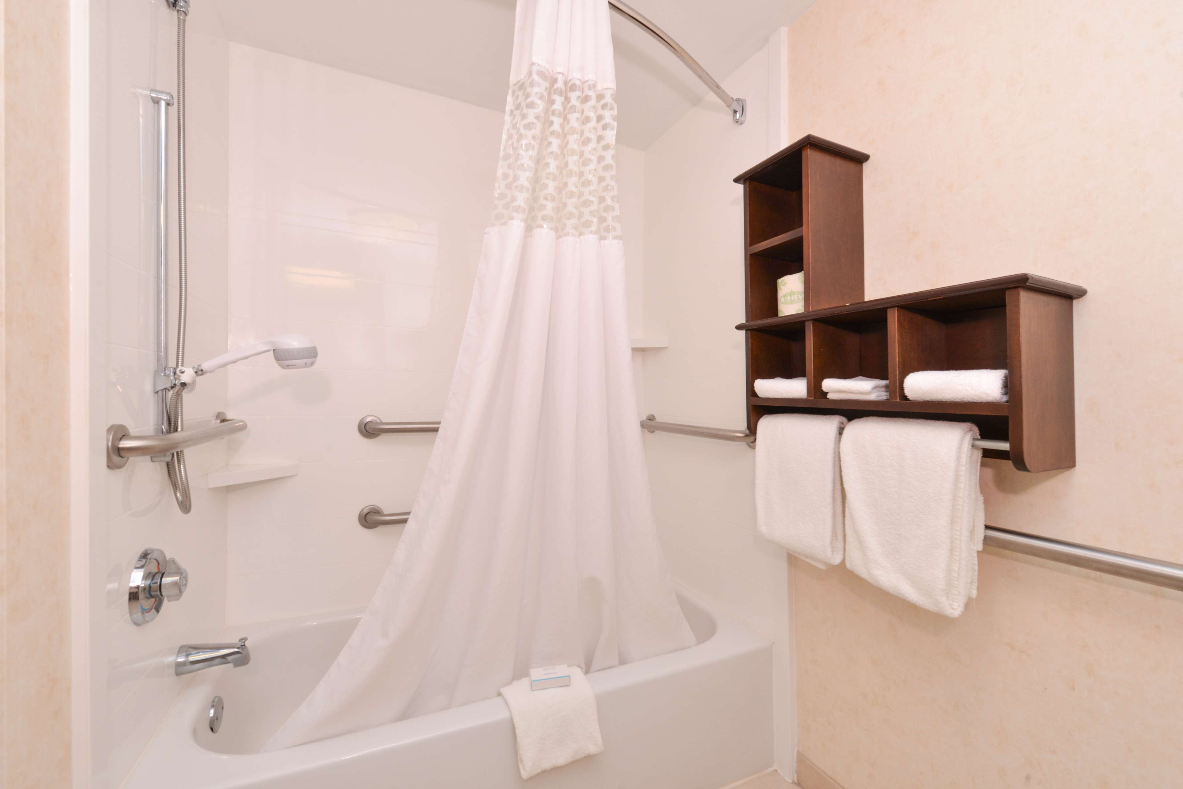 Hampton Inn & Suites Pueblo-Southgate image 36
