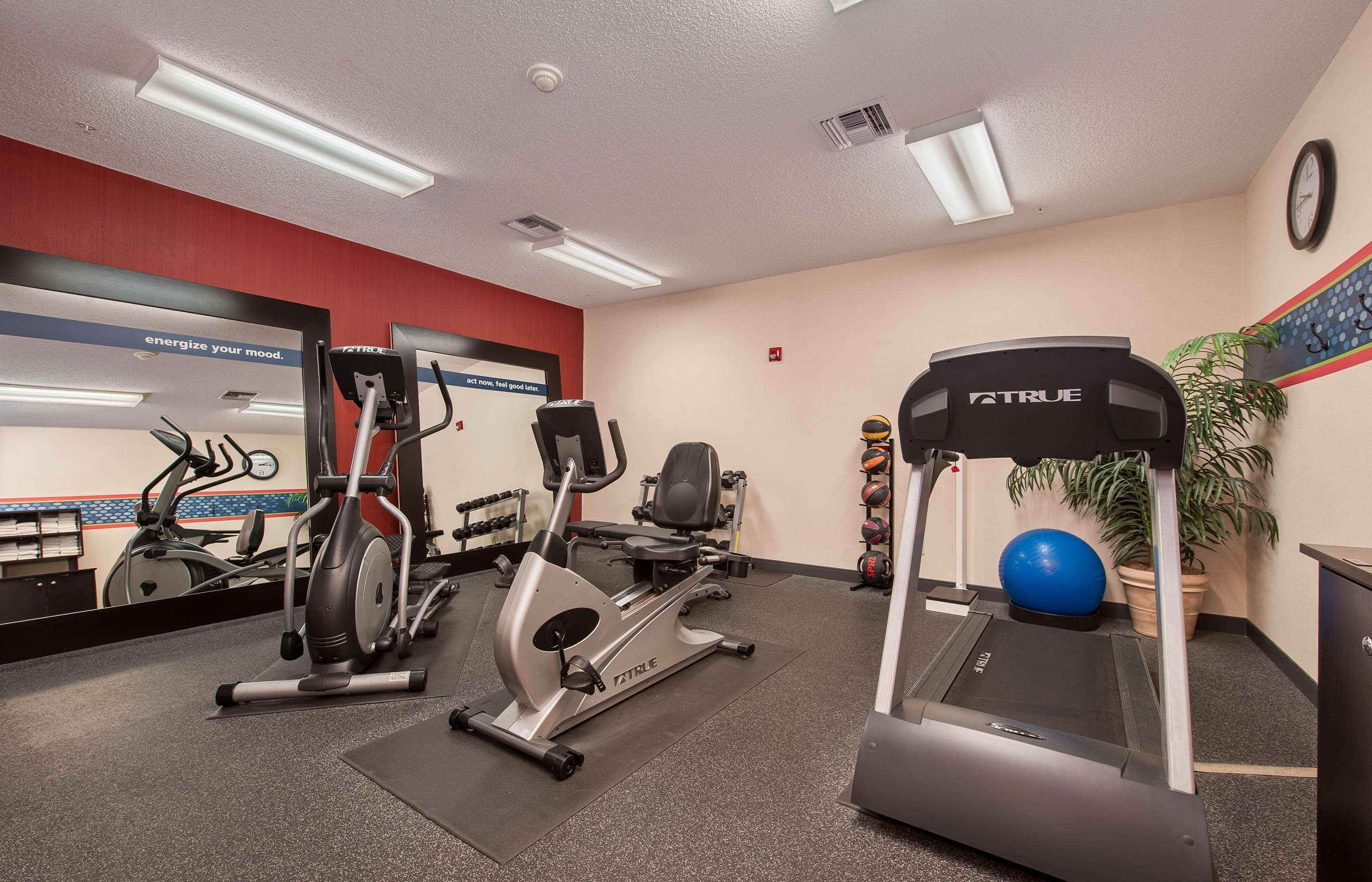 Hampton Inn Niceville-Eglin Air Force Base image 11