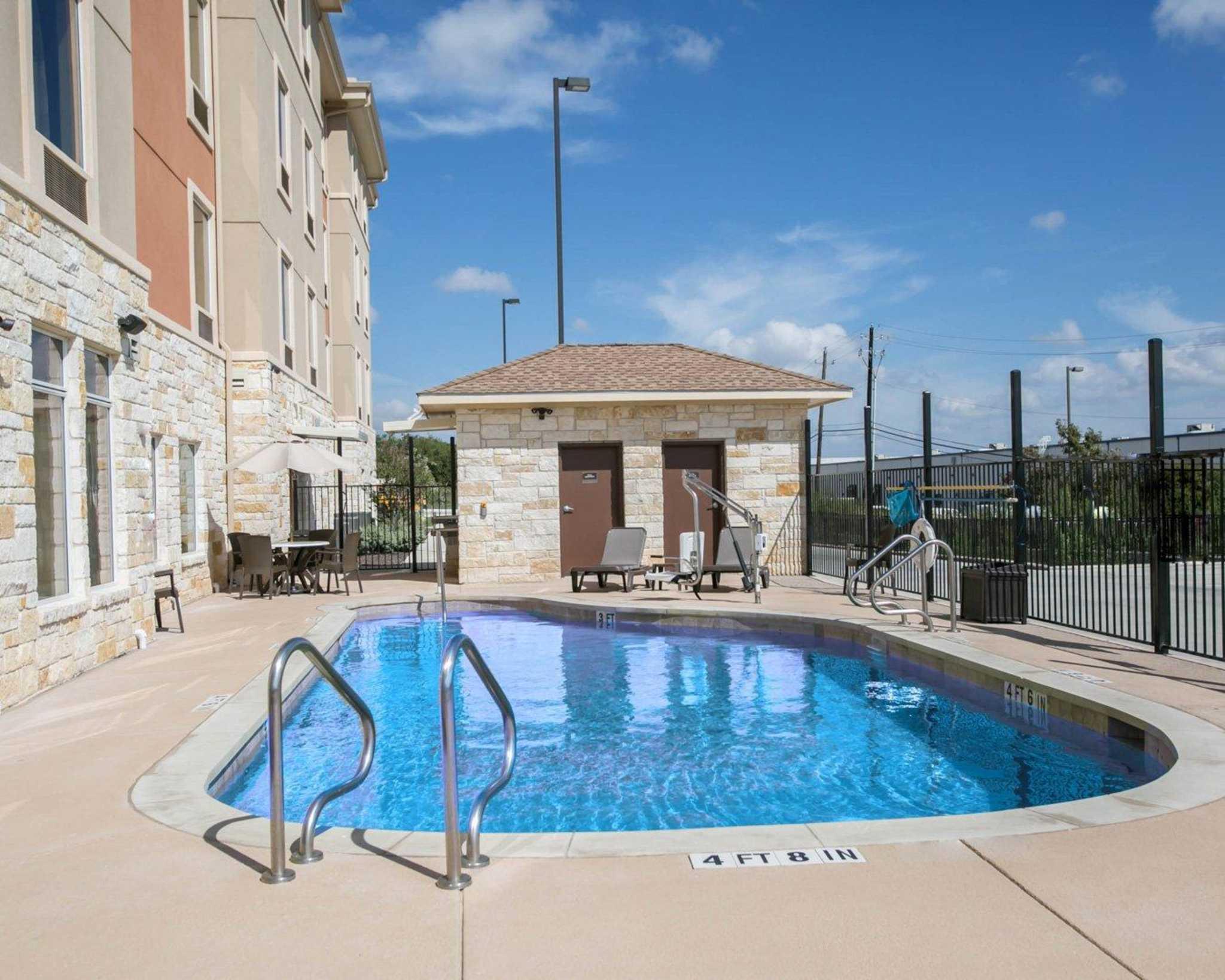 Sleep Inn & Suites Austin - Northeast image 8