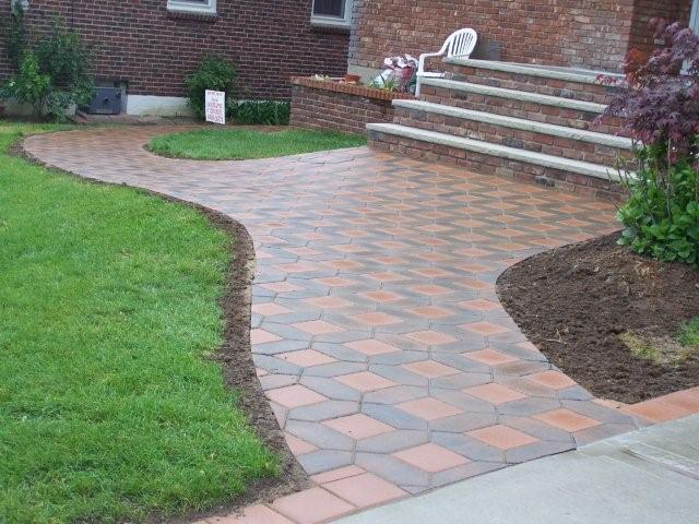 Rocco's Landscaping And Concrete Service LLC
