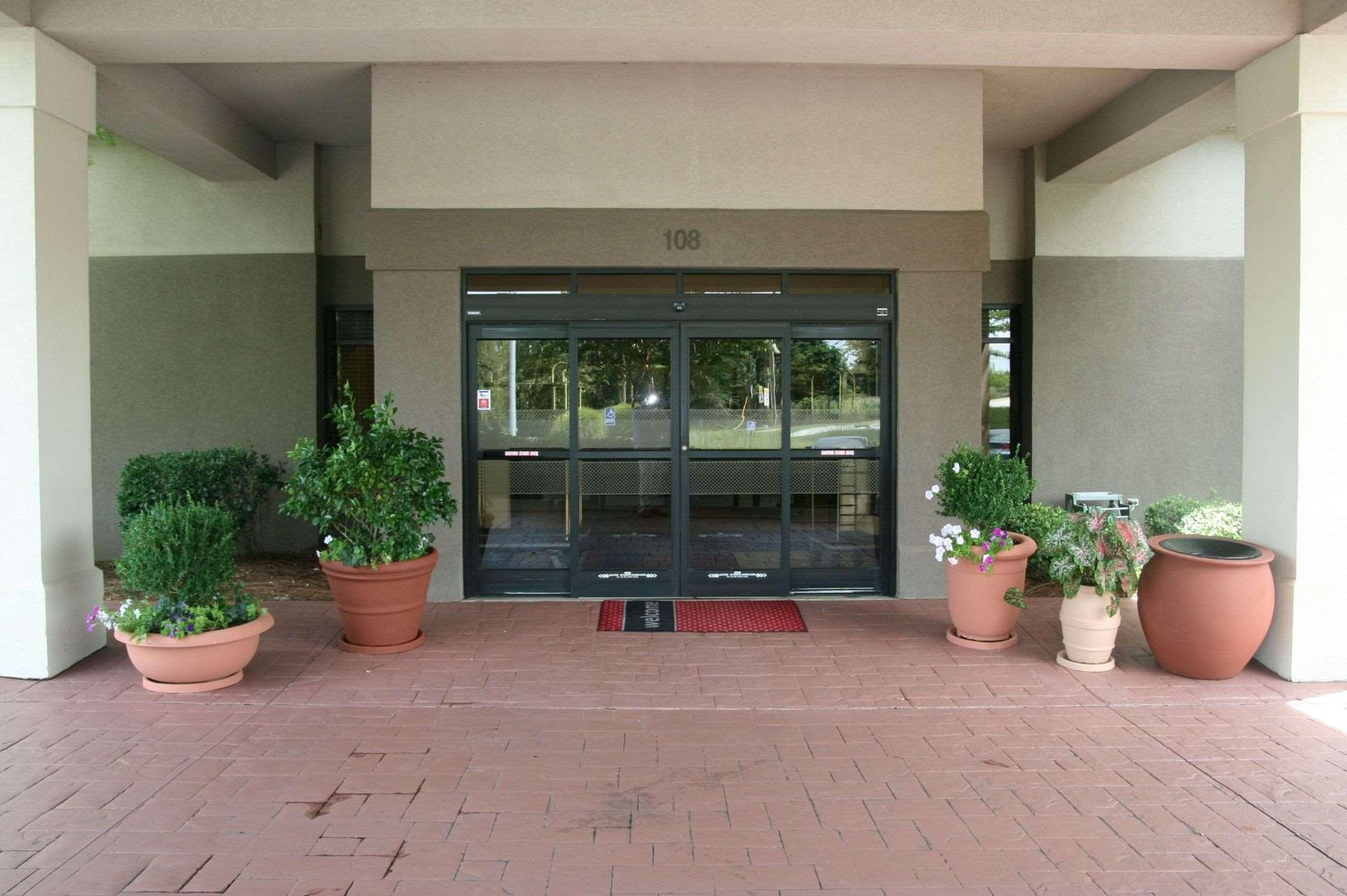 Hampton Inn & Suites Greenville/Spartanburg I-85 image 1