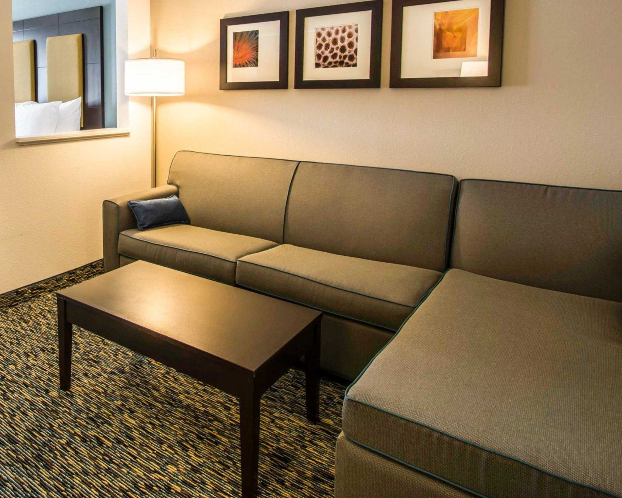Comfort Suites Fort Lauderdale Airport South & Cruise Port image 16