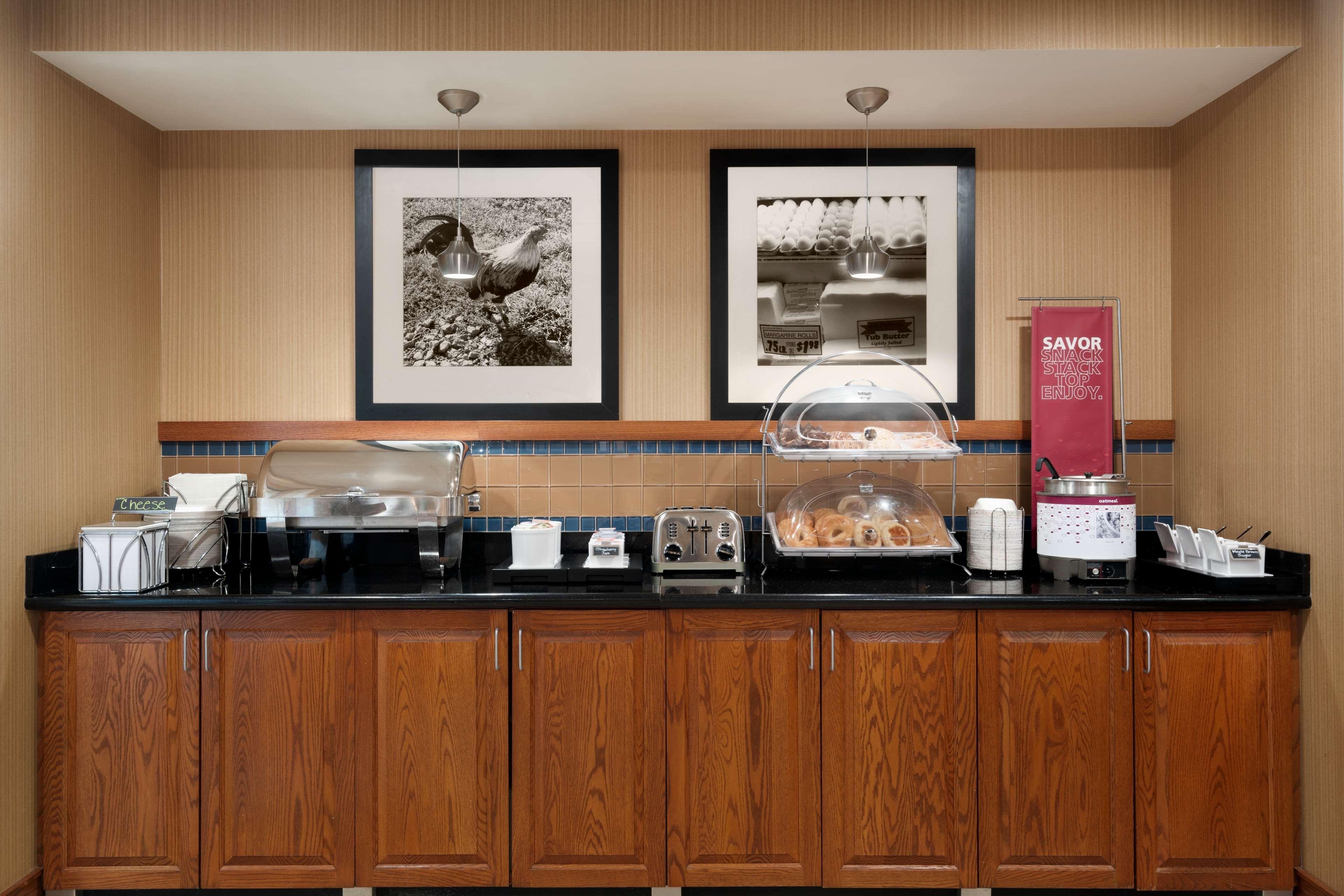 Hampton Inn & Suites Ephrata - Mountain Springs image 7