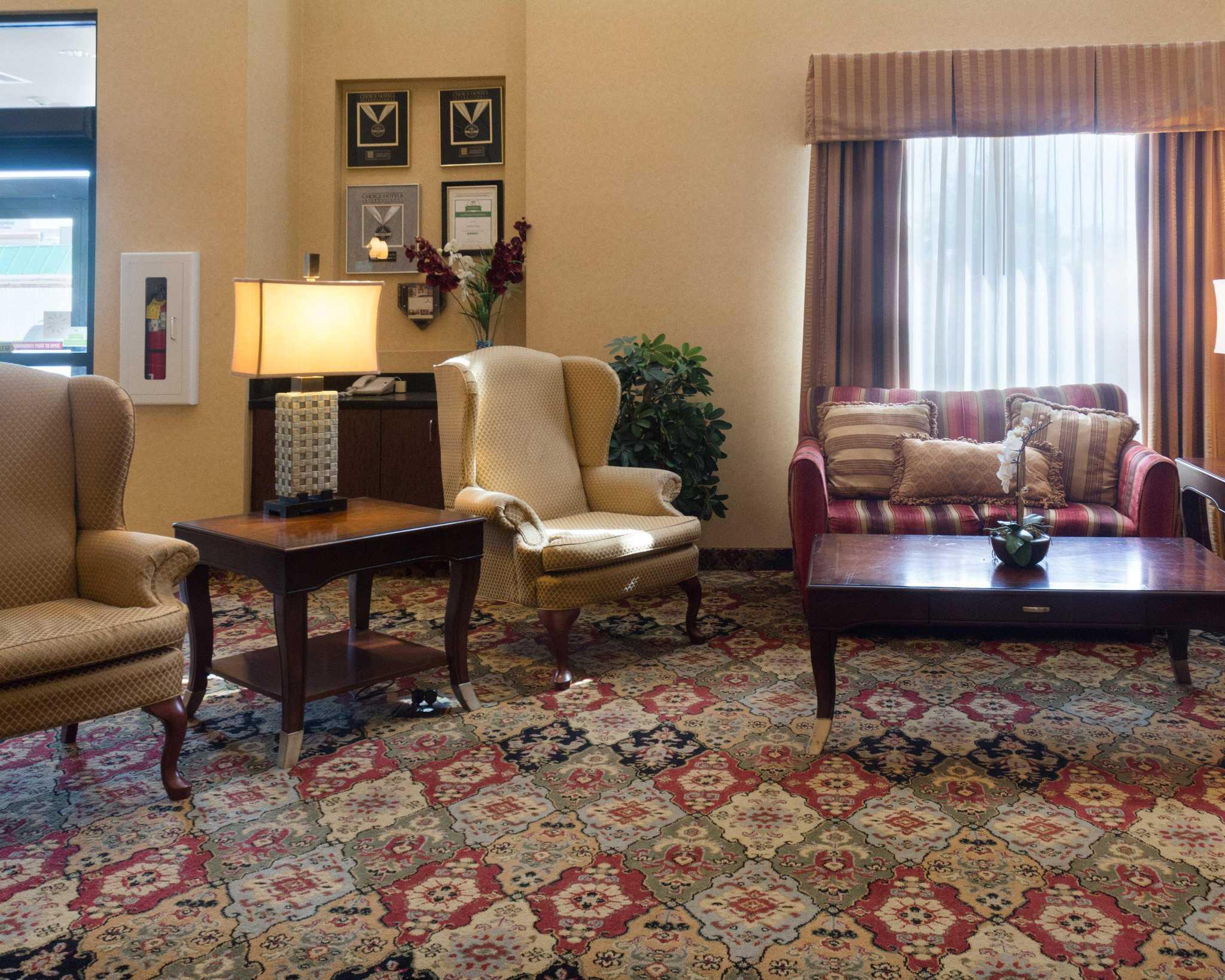 Comfort Suites Fredericksburg North image 10