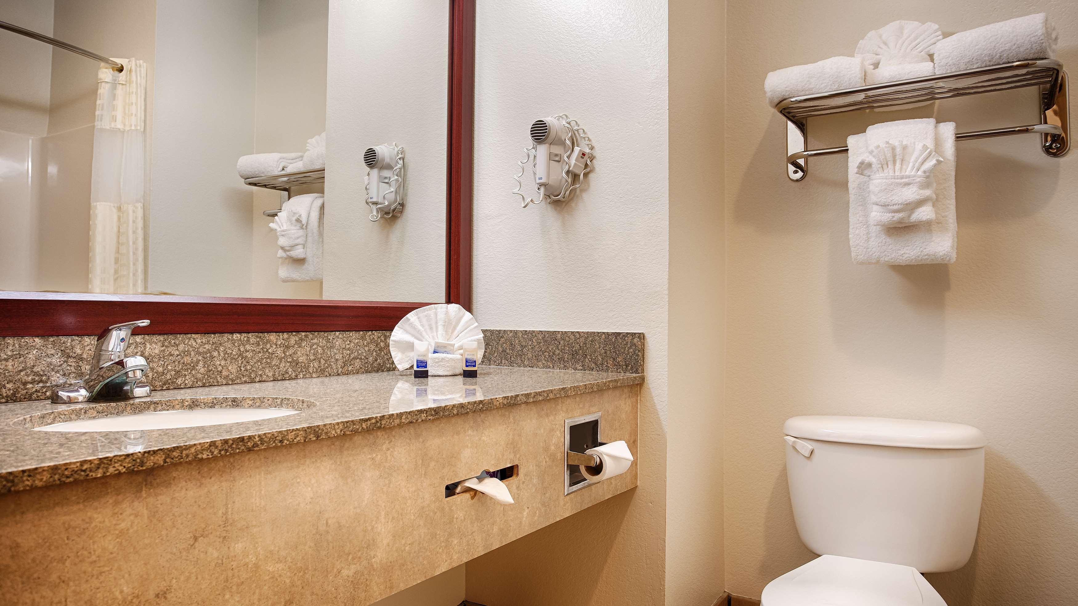 Best Western Club House Inn & Suites image 7