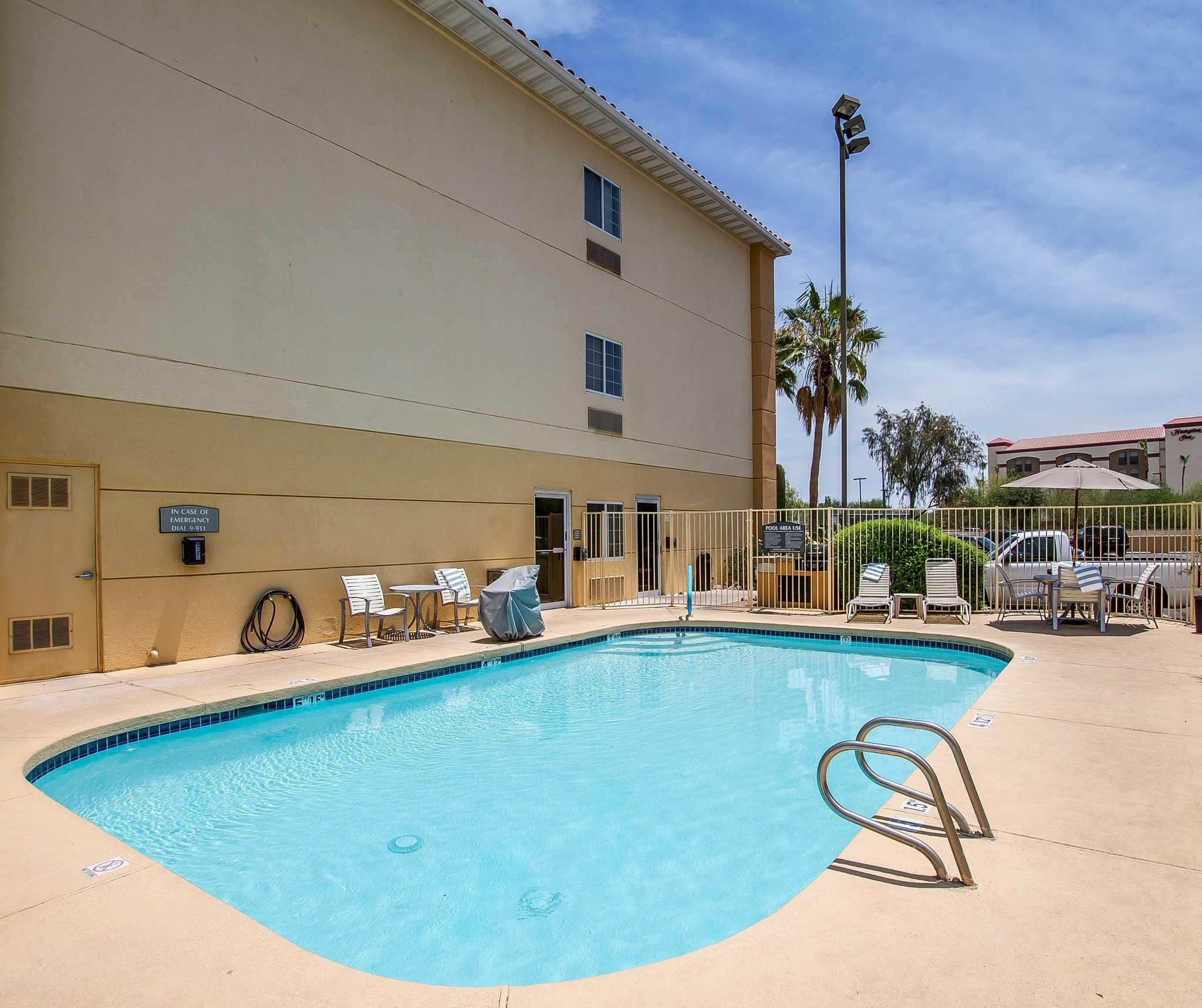 Comfort Suites Peoria Sports Complex image 3