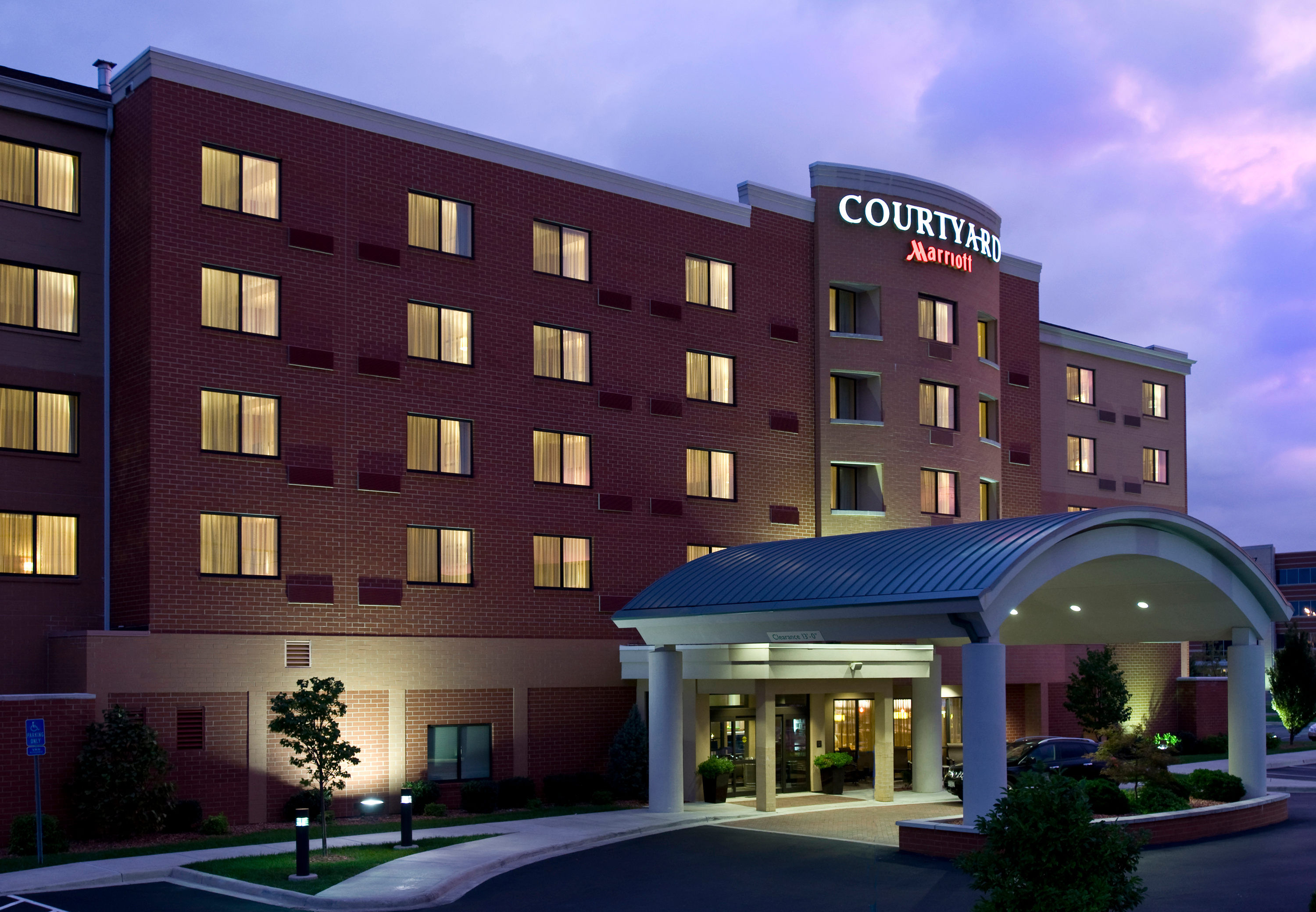 Courtyard by Marriott Cincinnati North at Union Centre image 4
