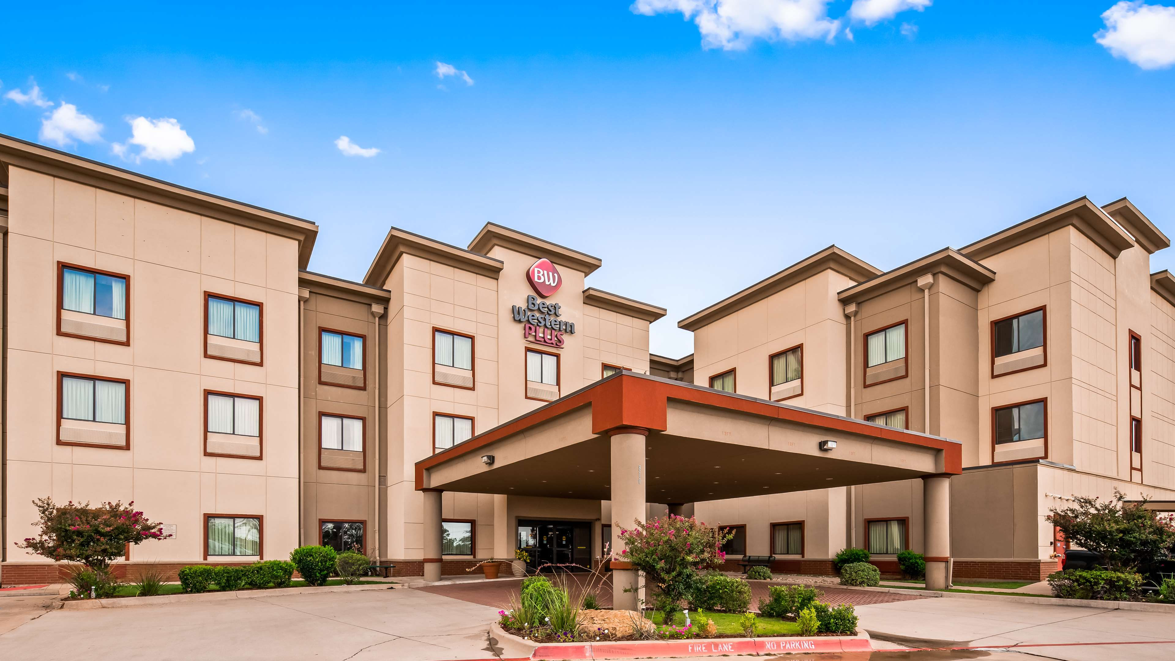 Best Western Plus Texoma Hotel & Suites image 2
