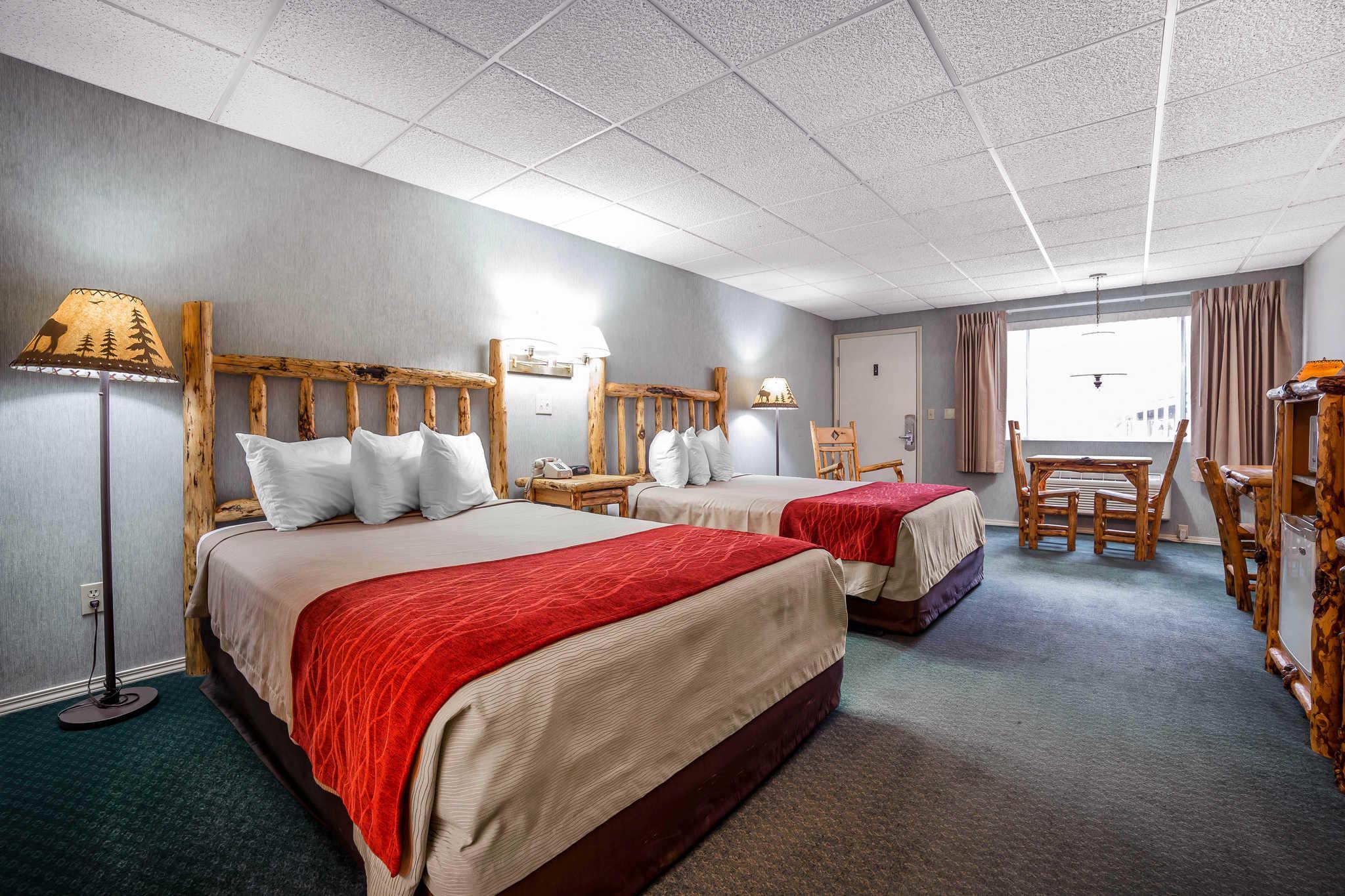 Rodeway Inn Pronghorn Lodge image 36