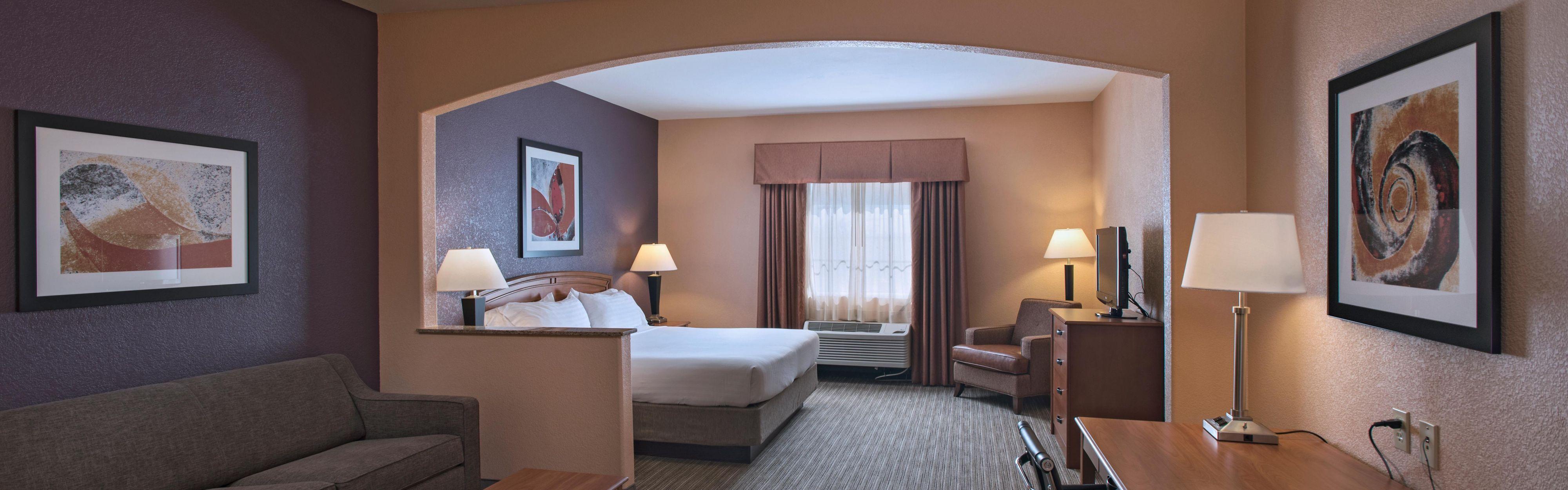 Holiday Inn Express & Suites Cedar Park (Nw Austin) image 1
