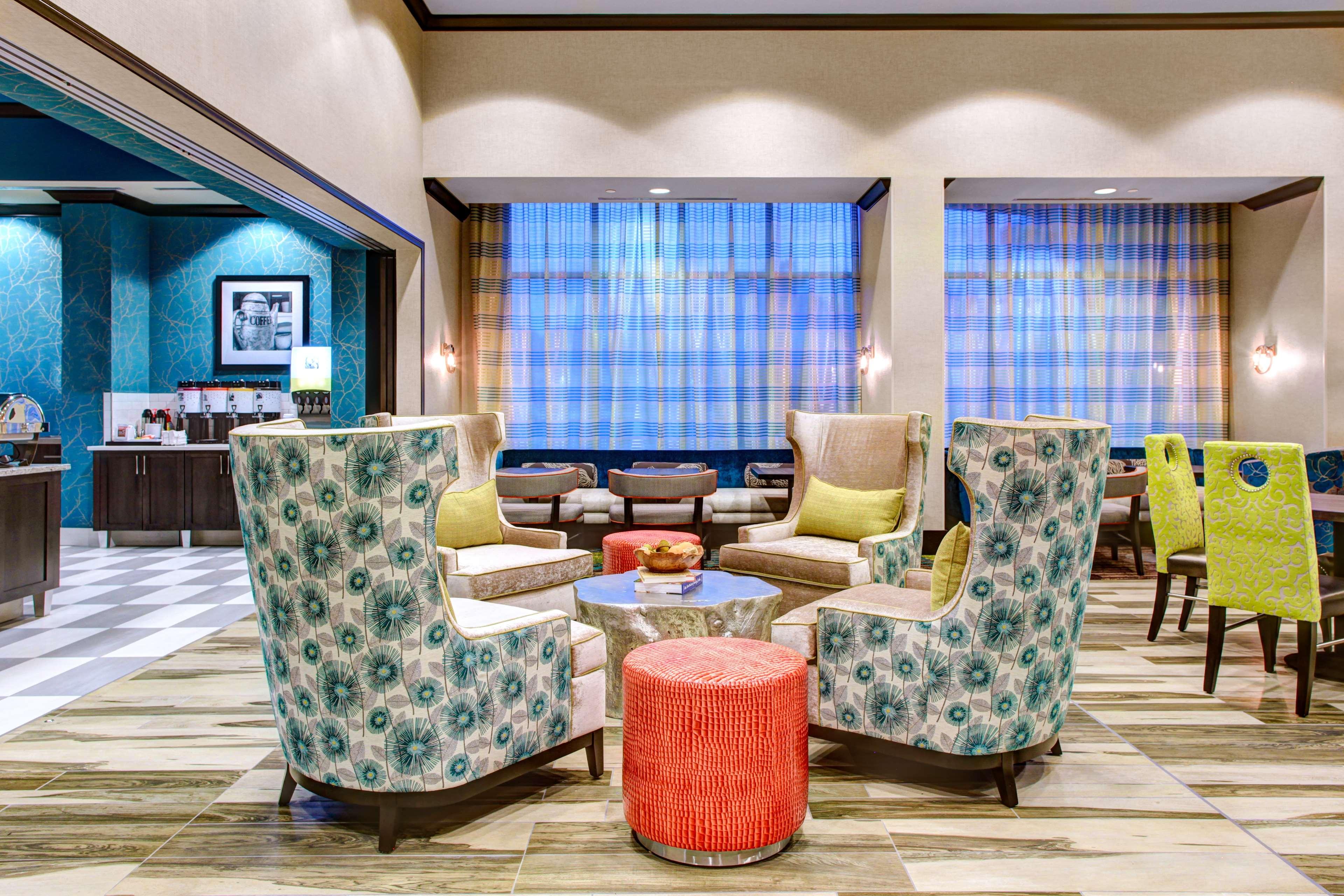 Hampton Inn & Suites by Hilton Atlanta Perimeter Dunwoody image 3