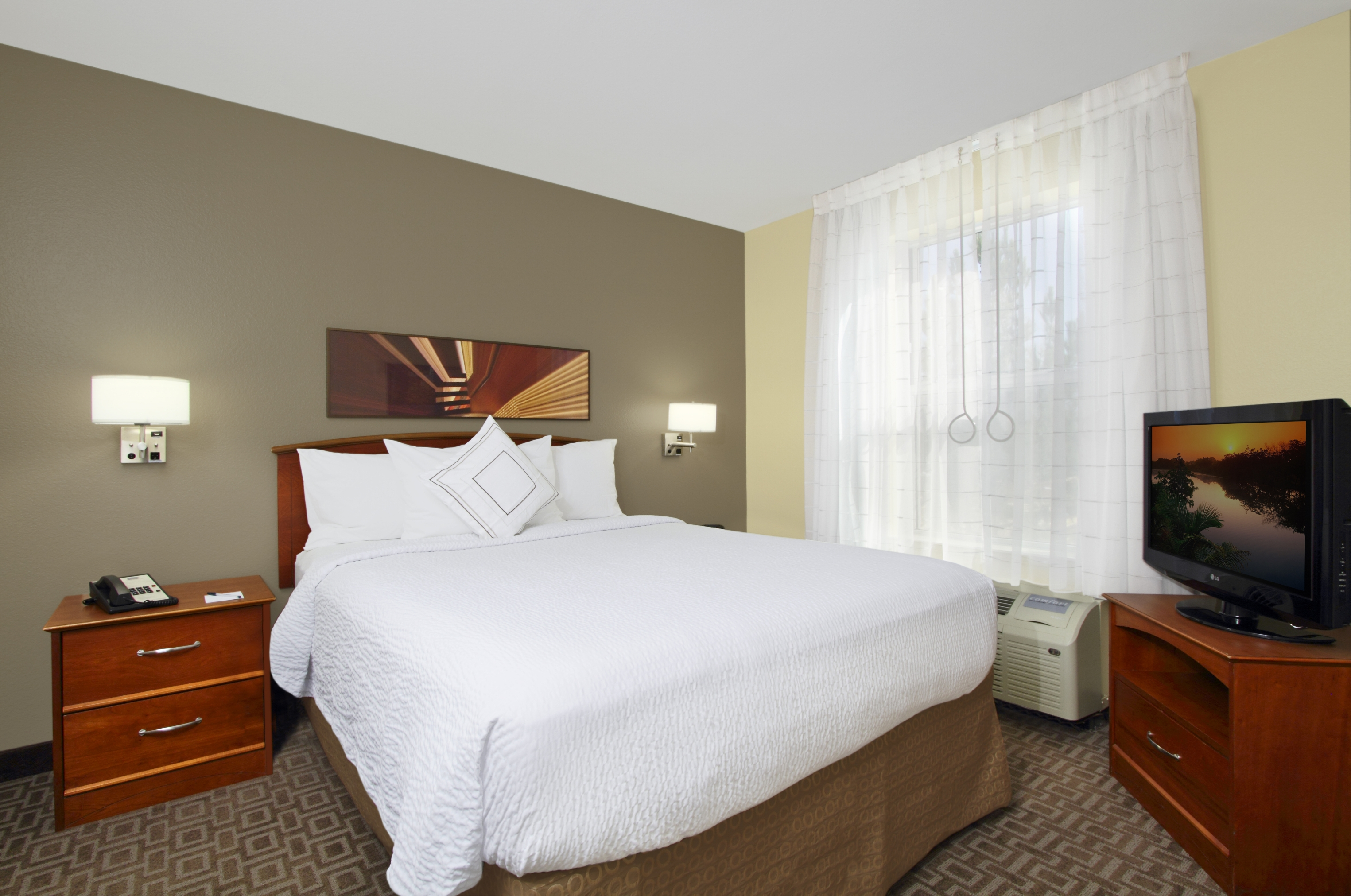 TownePlace Suites by Marriott Newark Silicon Valley image 2