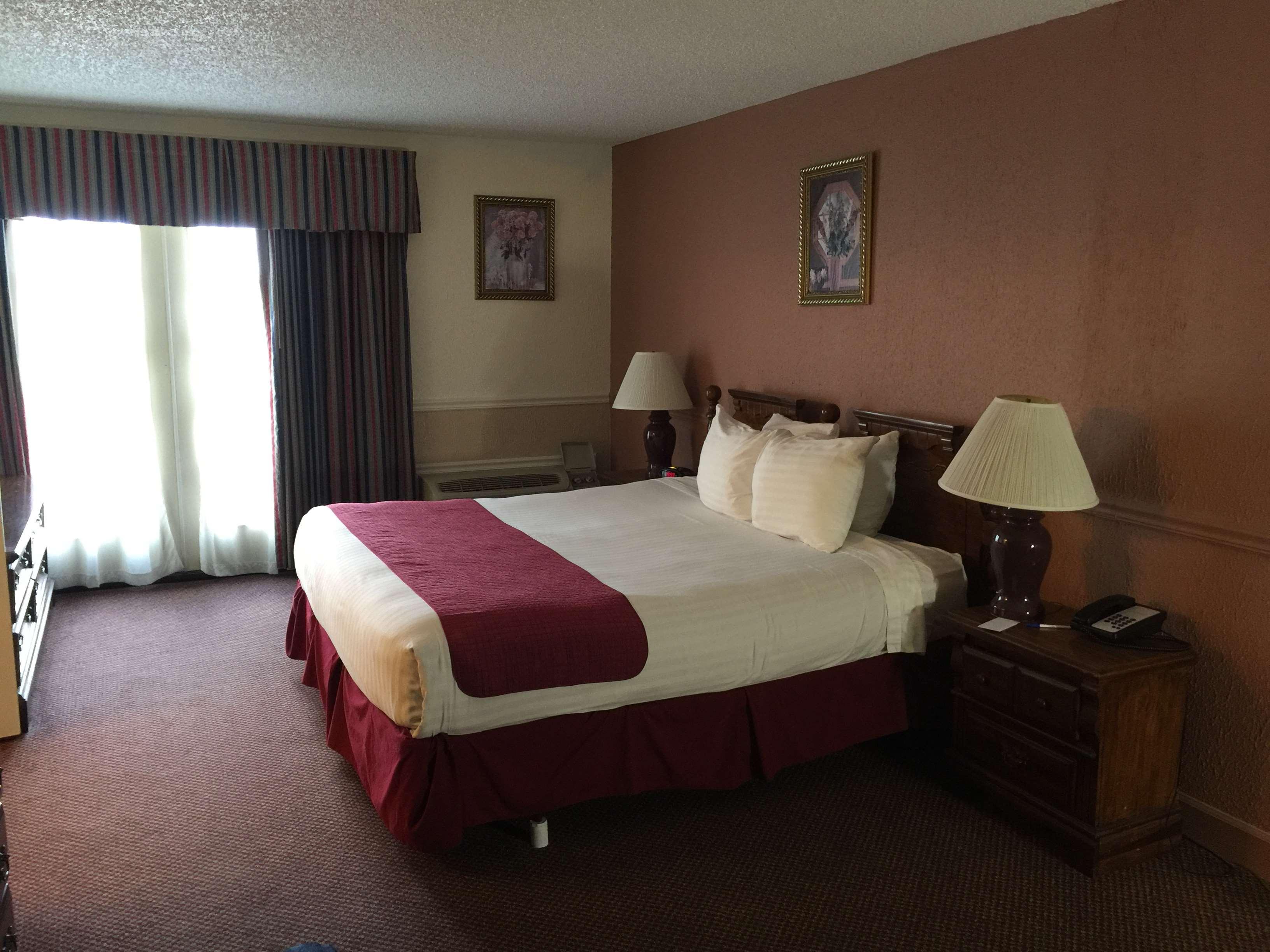 SureStay Plus Hotel by Best Western Baton Rouge image 12